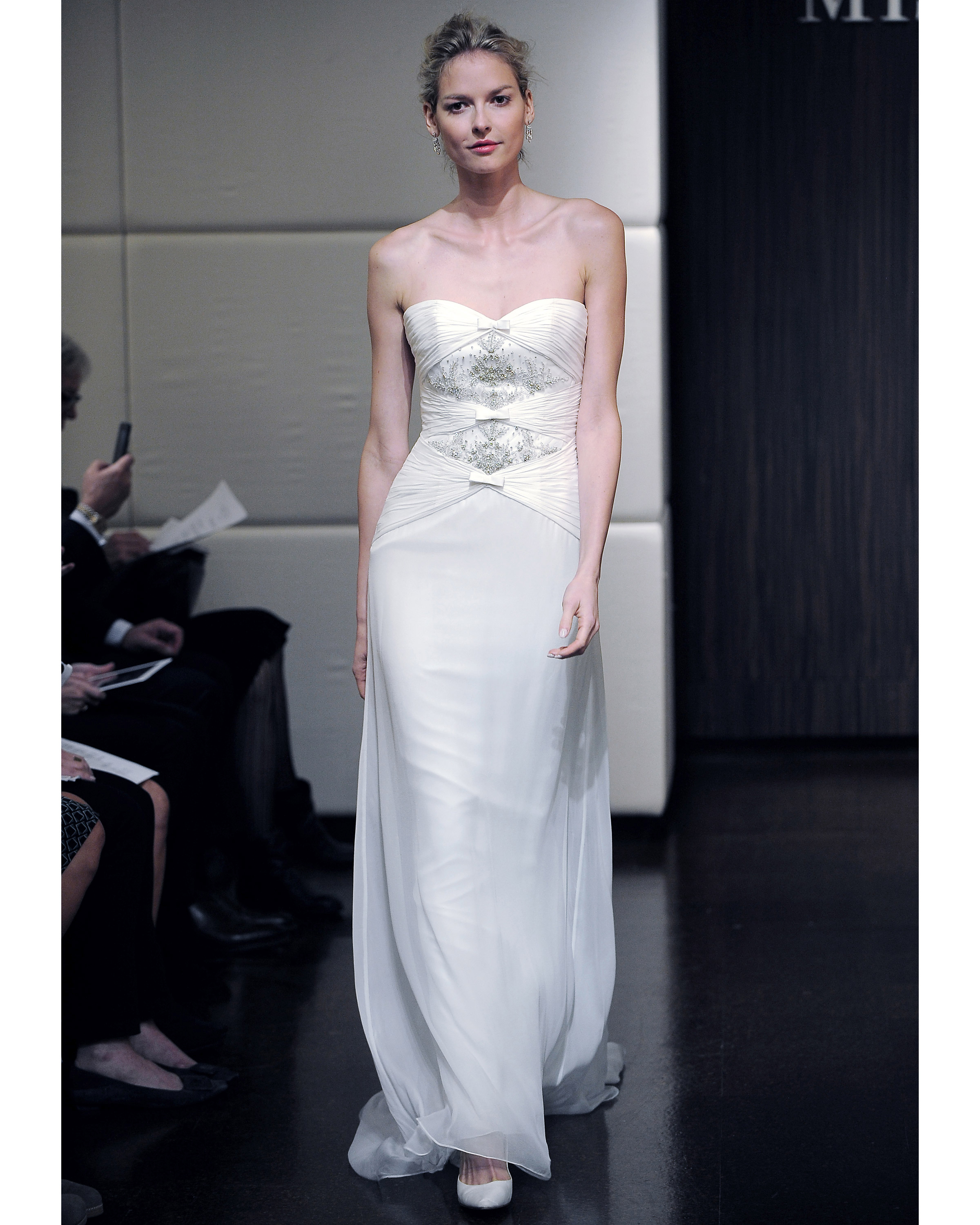 badgley-mischka-fall2013-wd109515-004.jpg