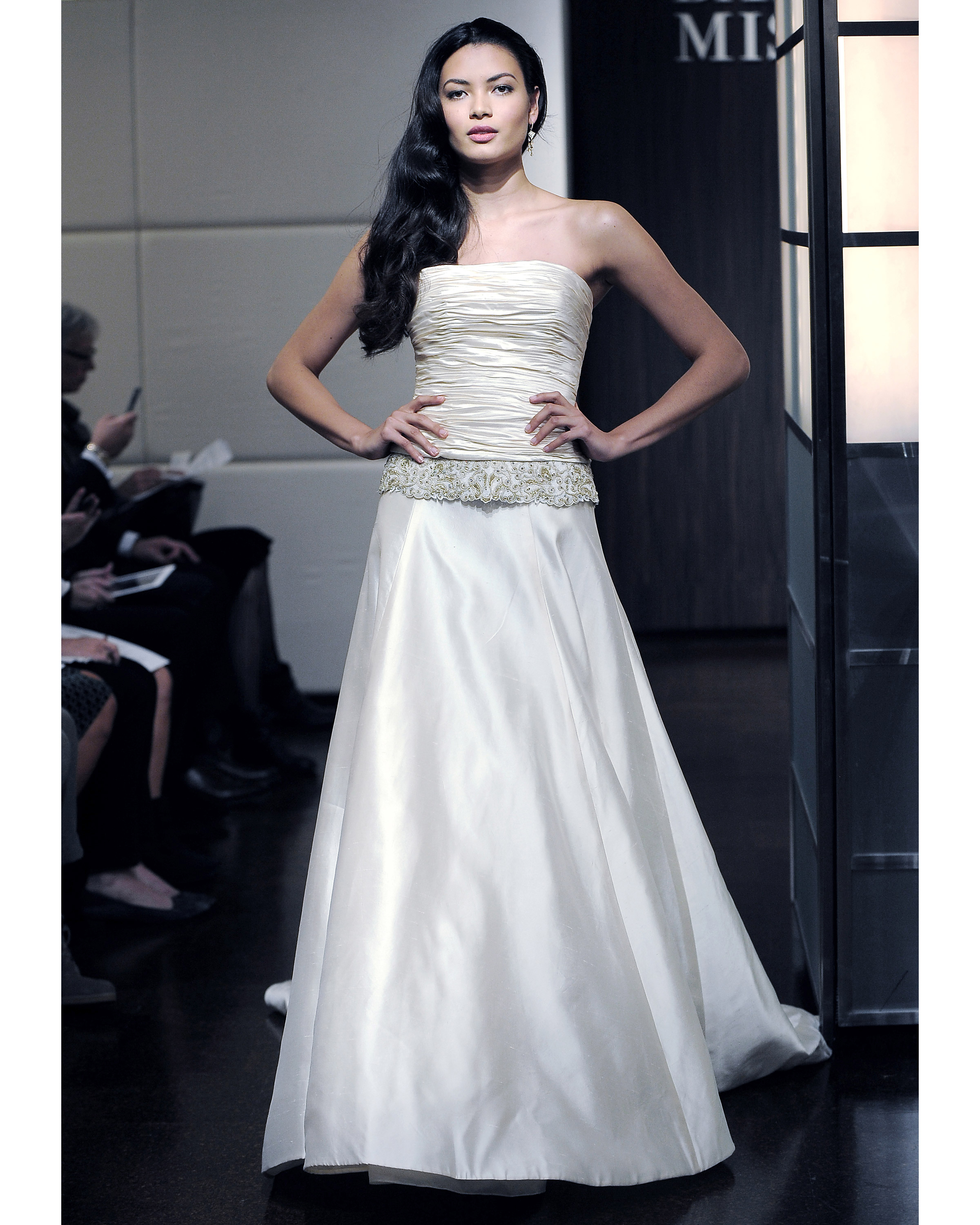 badgley-mischka-fall2013-wd109515-009.jpg