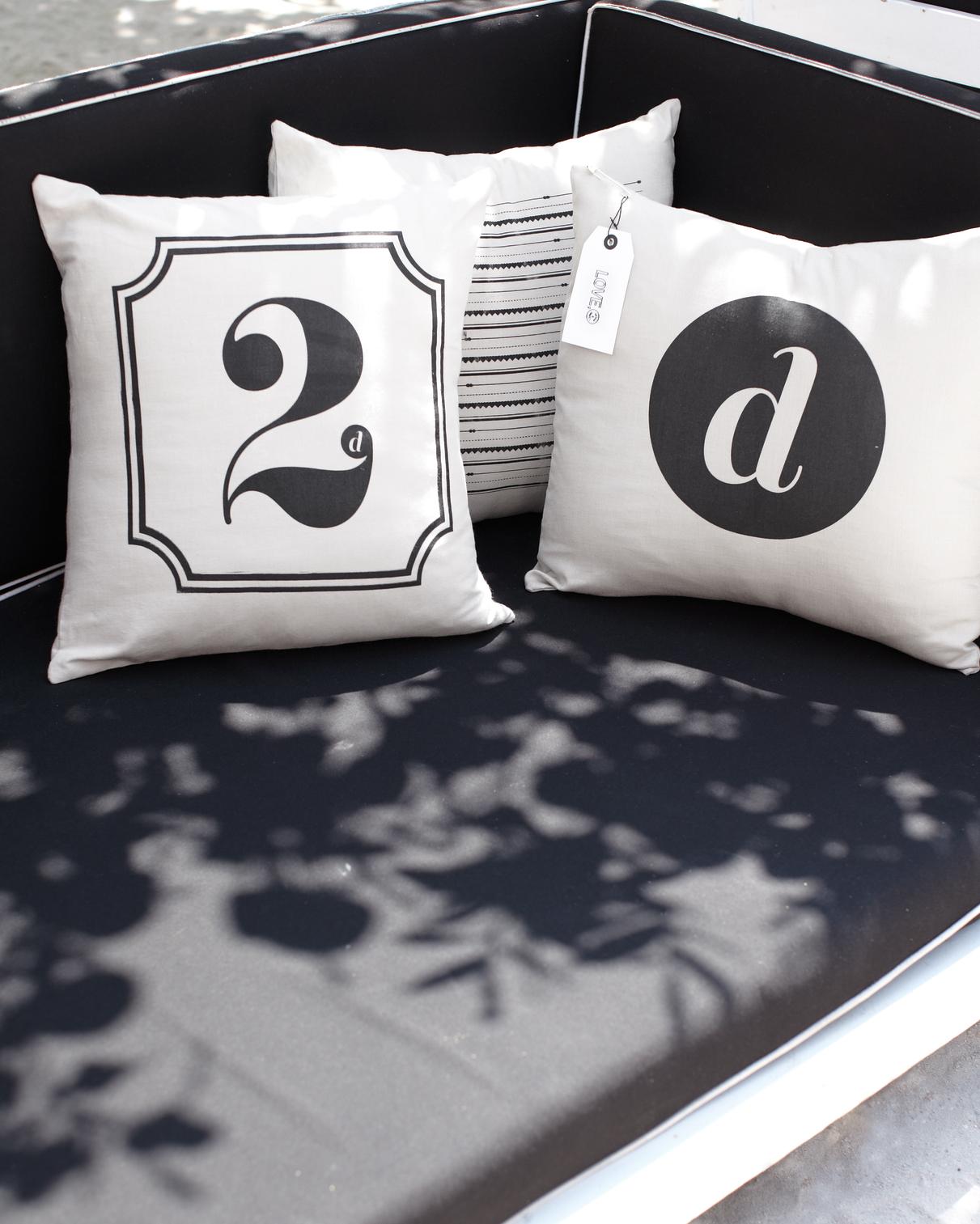 gracia-dan-pillow-favors-mwd107271.jpg