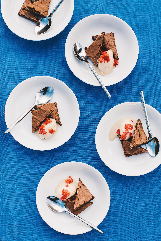 laura john wedding massachusetts brownie sundaes