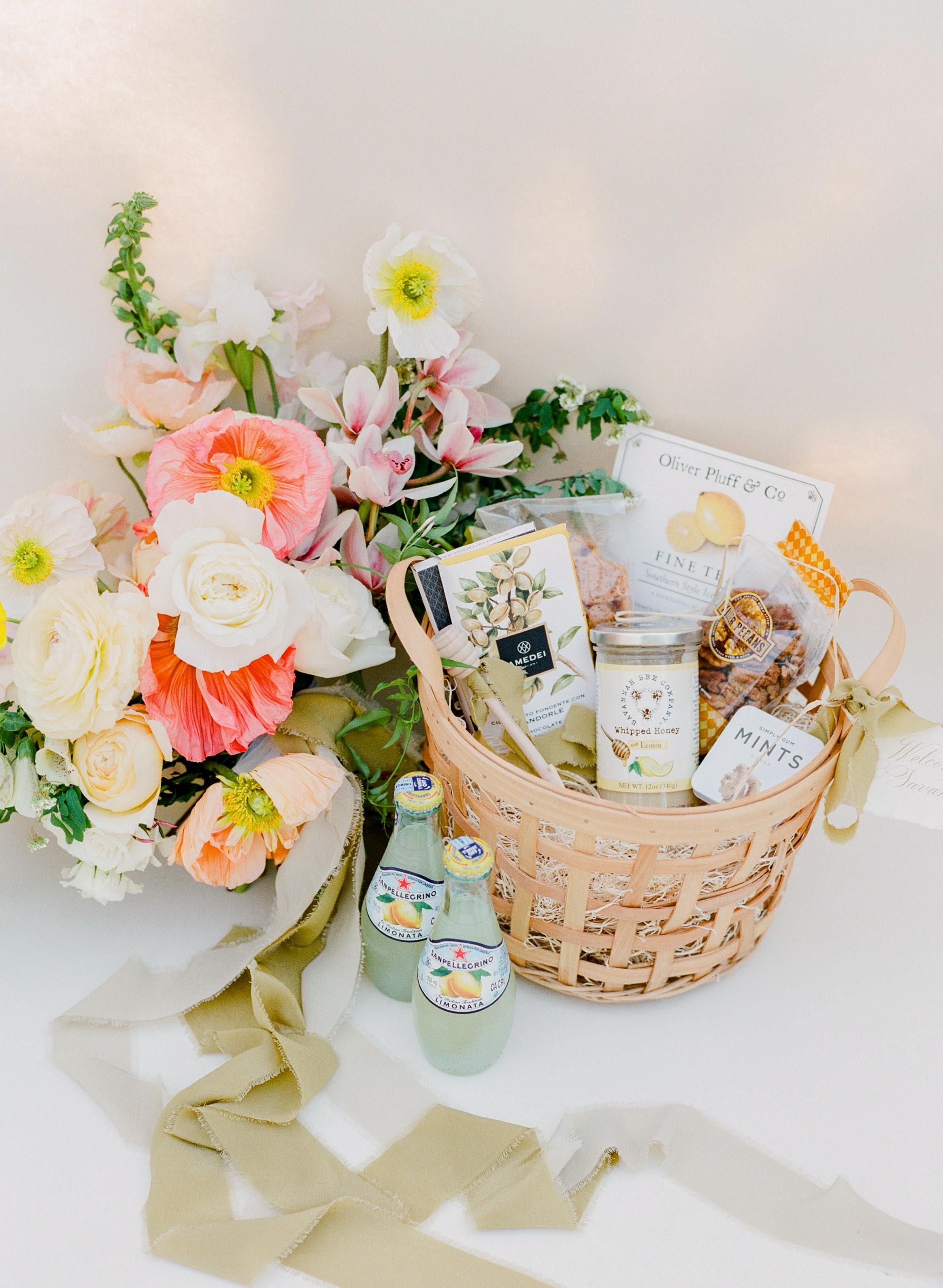 welcome basket happy bloom asignaturewelcome