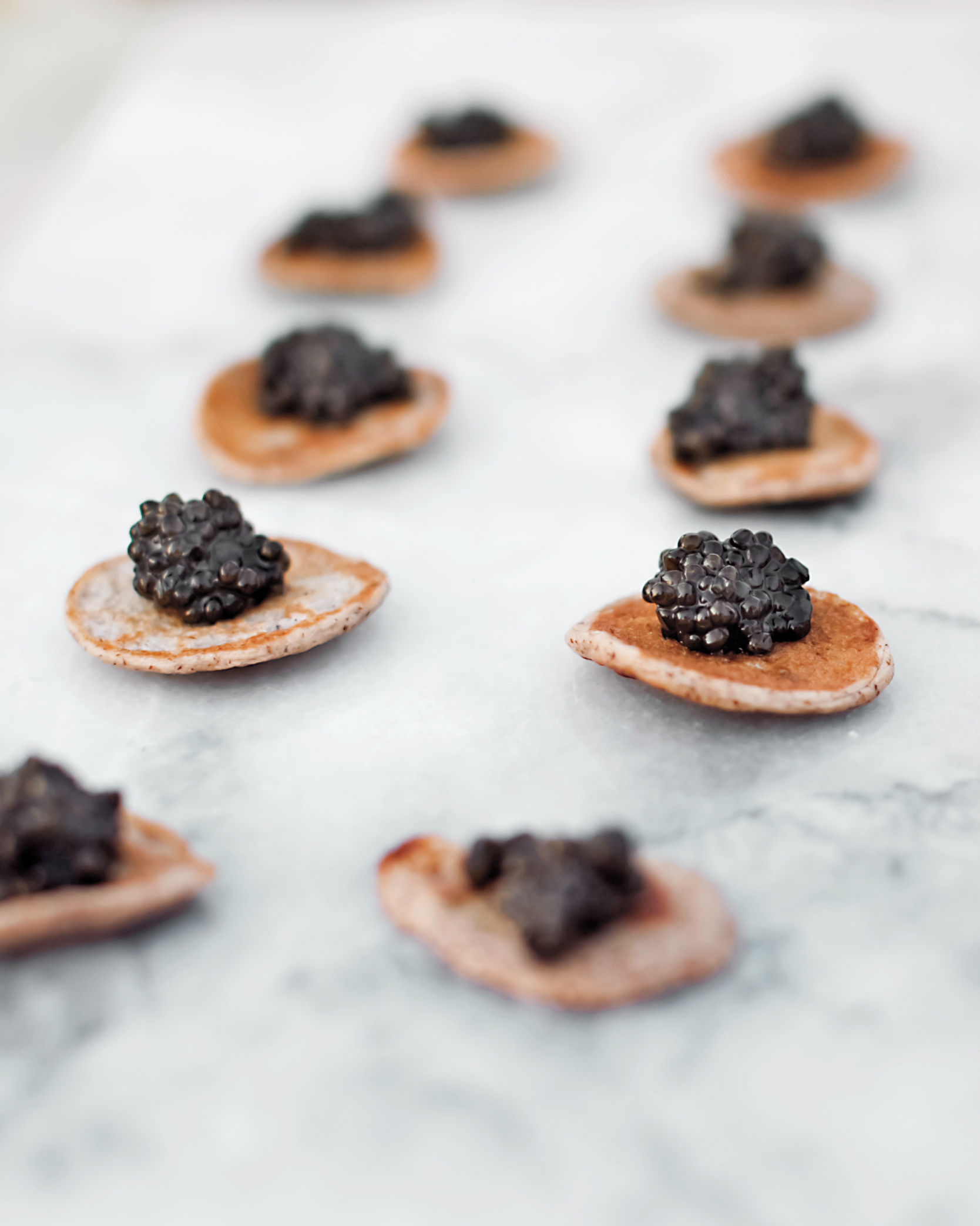 caviar-blini-mwds109981.jpg