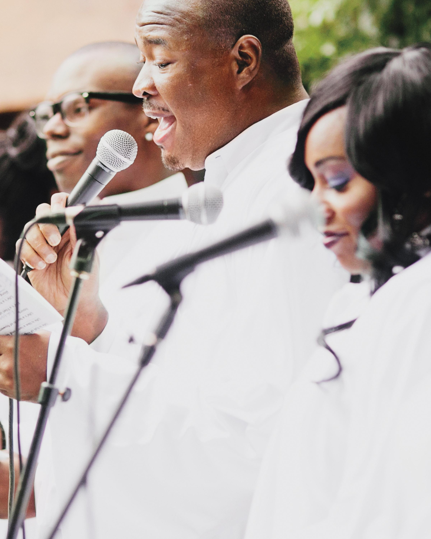 cacee-donald-gospel-choir-mwds110101.jpg