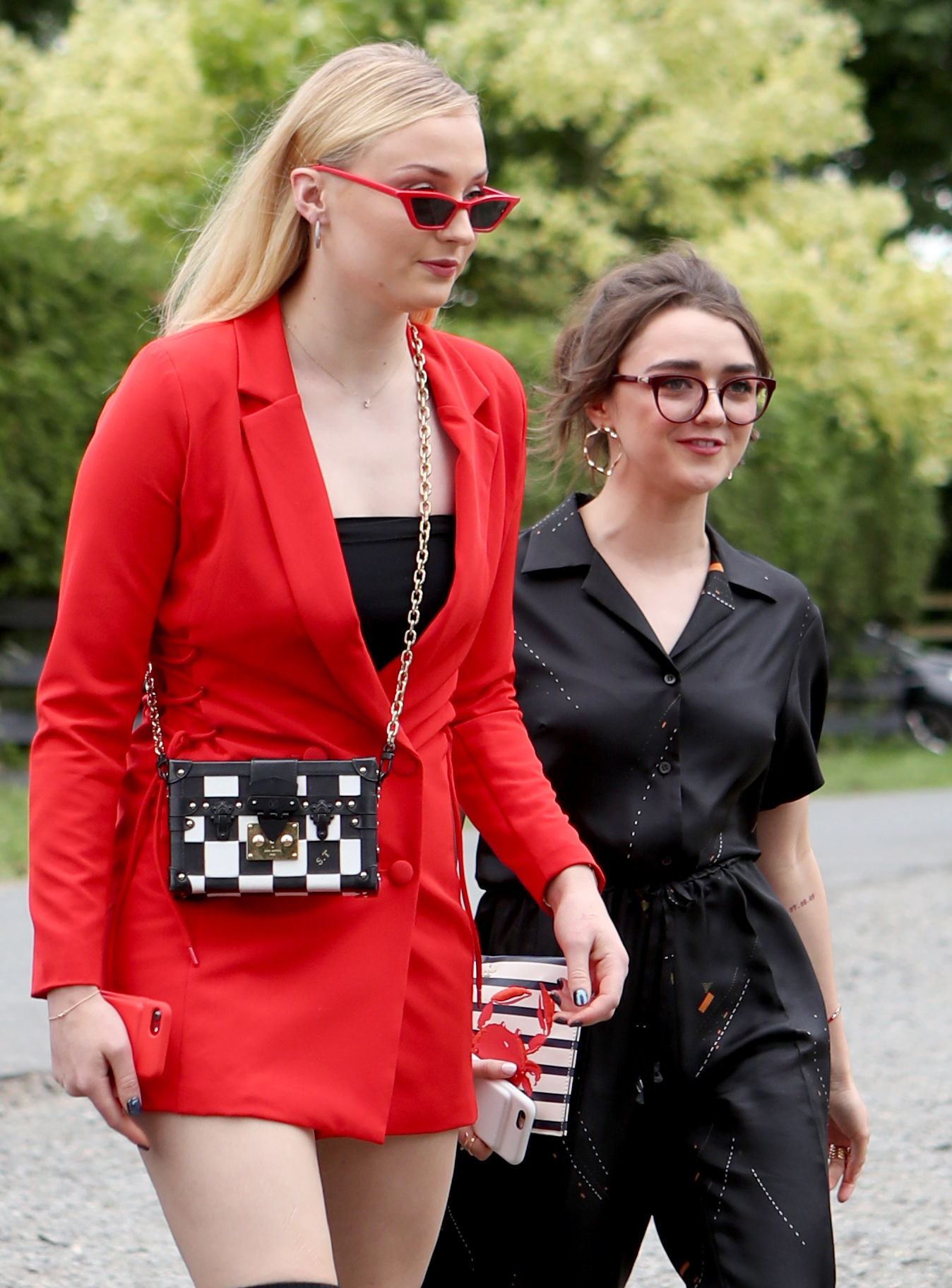 sophie turner and maisie williams at kit harington and rose leslie wedding