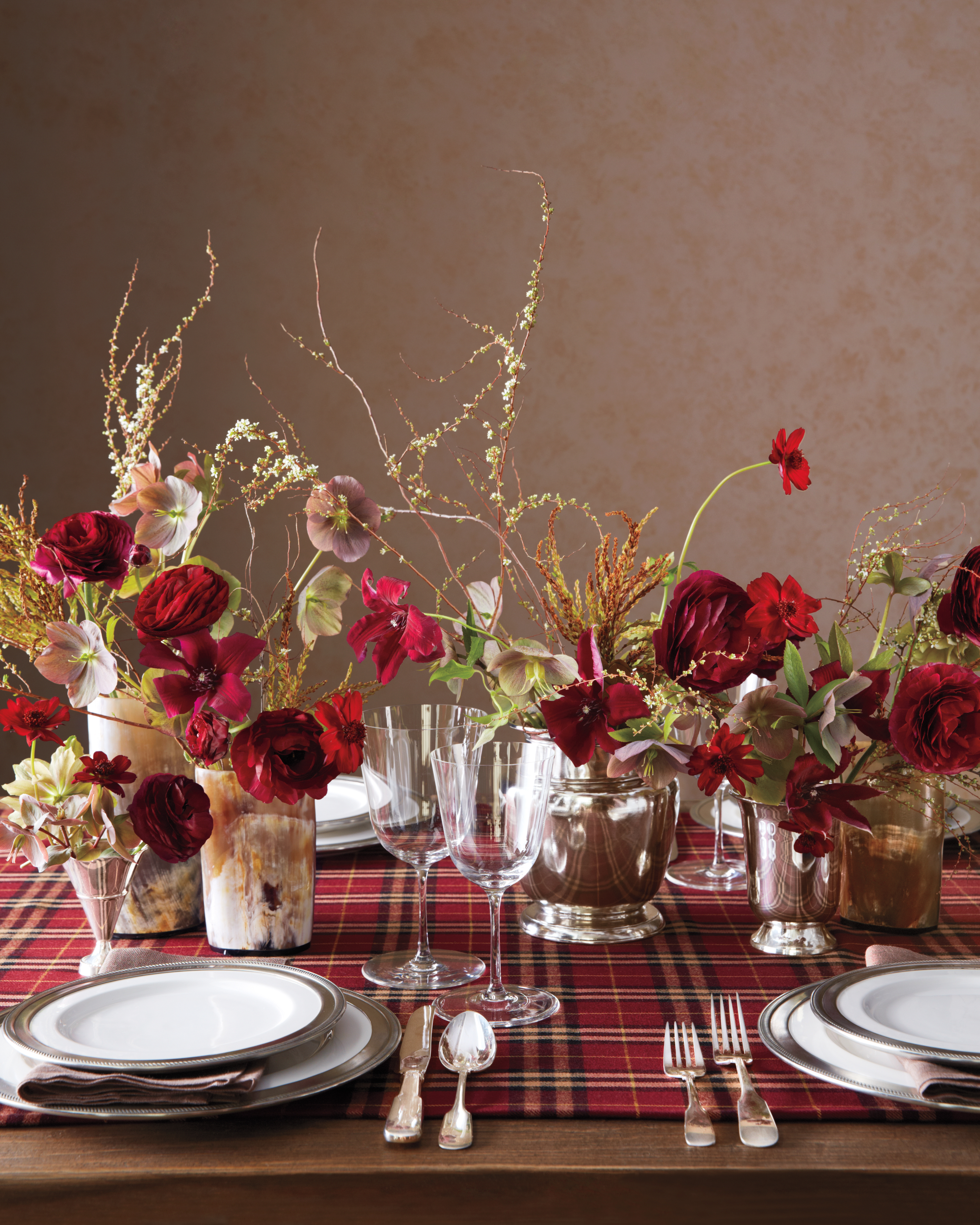 centerpiece-v2-046-exp2-flowers-and-040-comp-mwd110159.jpg