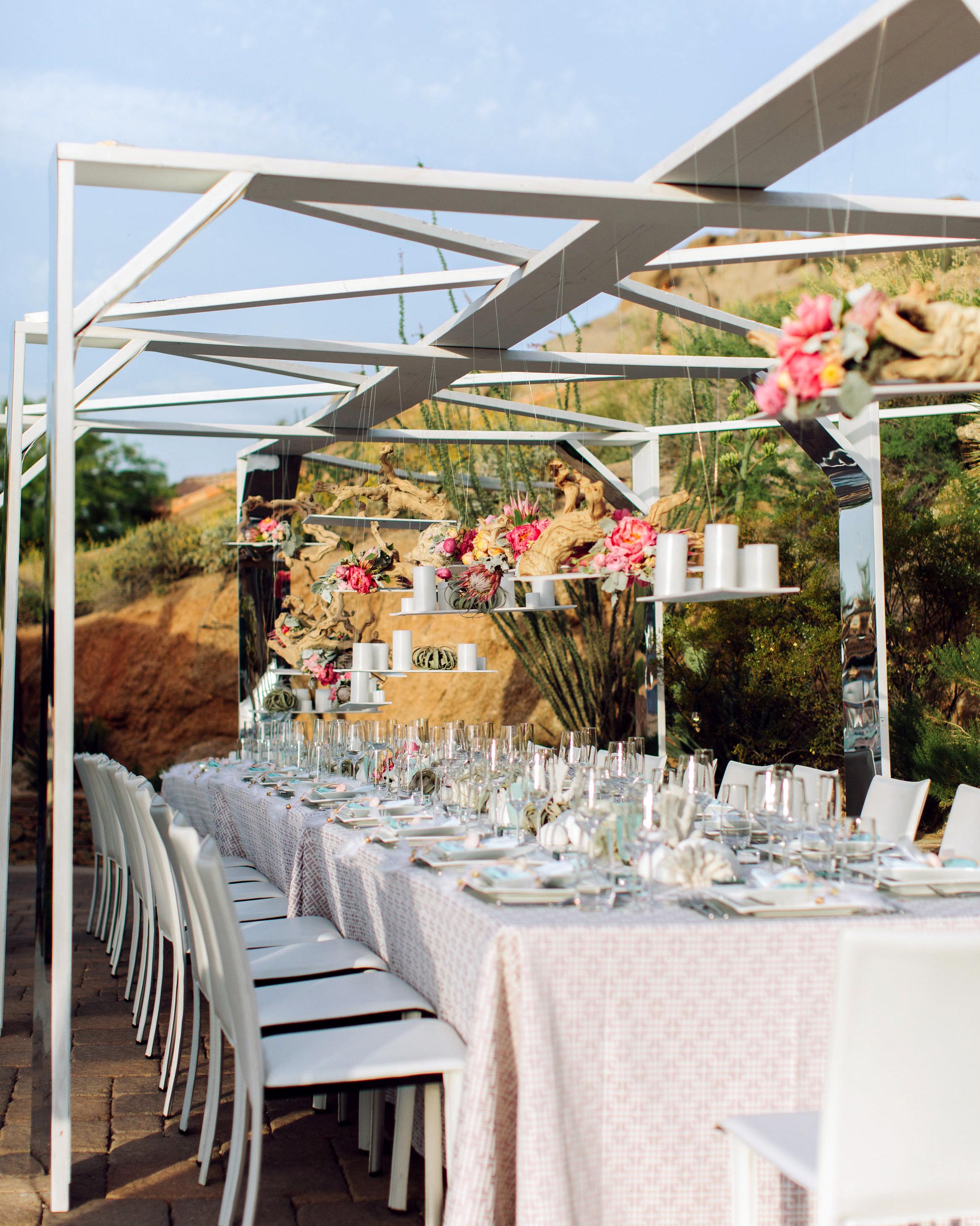 kari-charlie-wedding-table3-0314.jpg