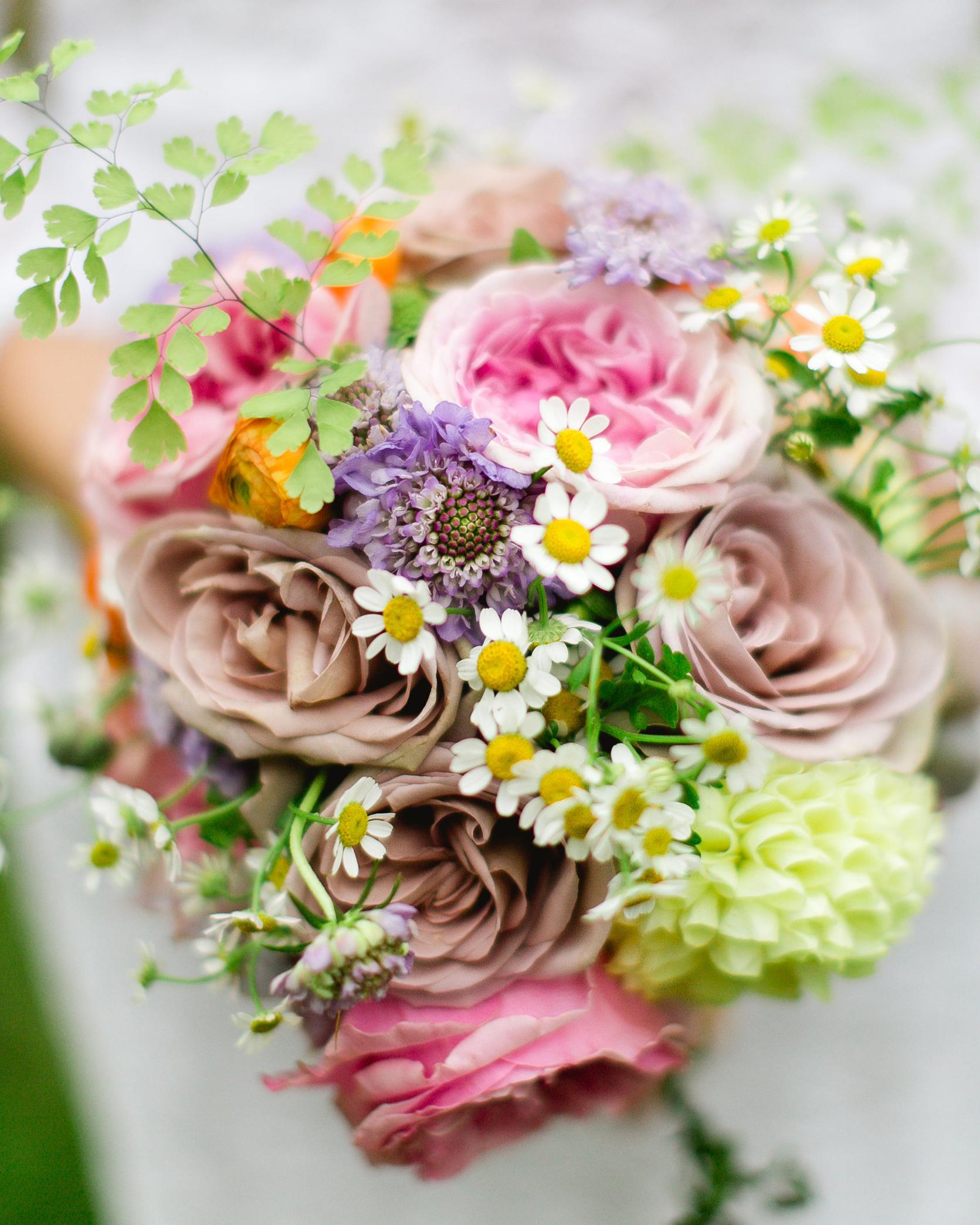 sandy-dwight-wedding-bouquet-0514.jpg