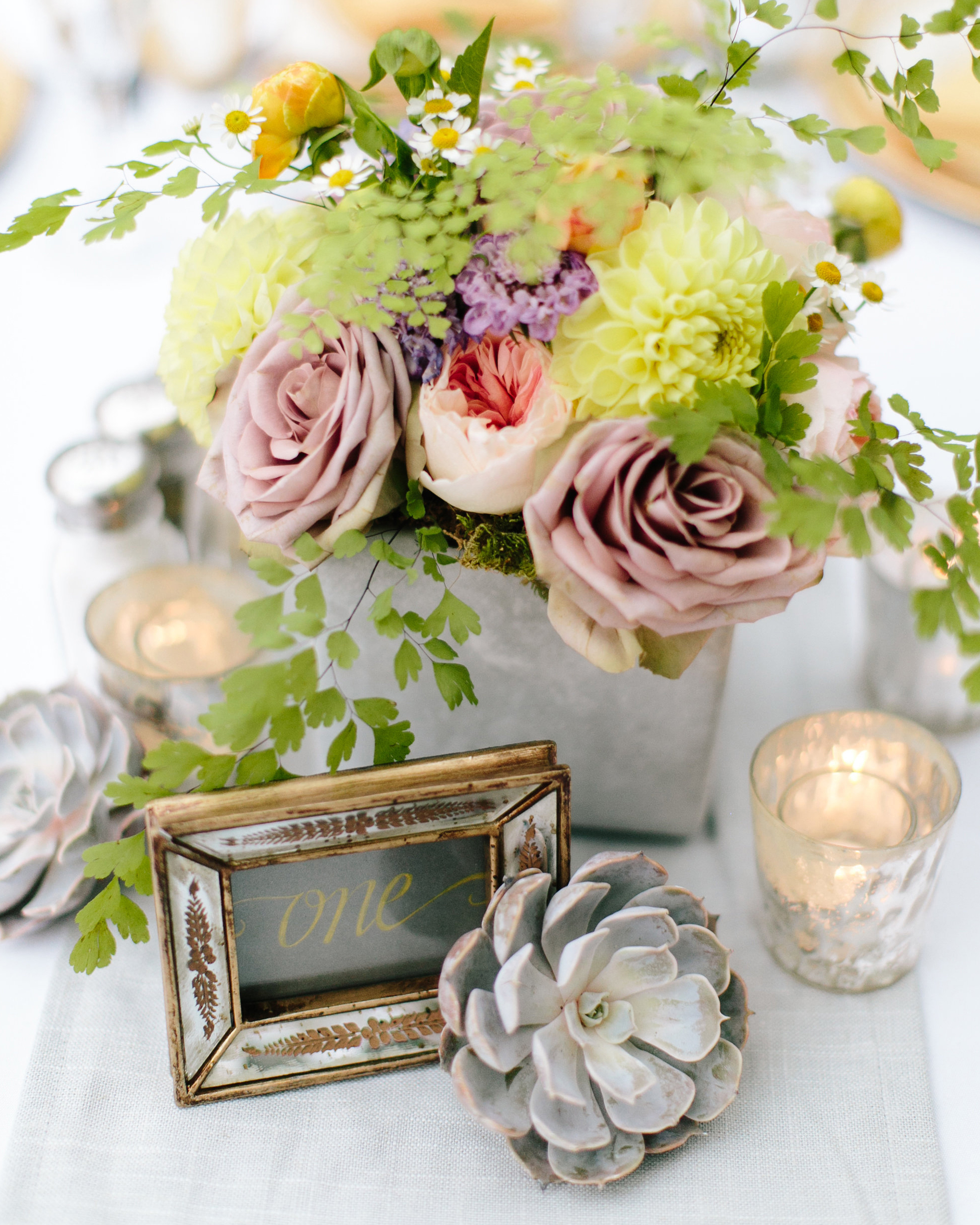 sandy-dwight-wedding-centerpiece-0514.jpg