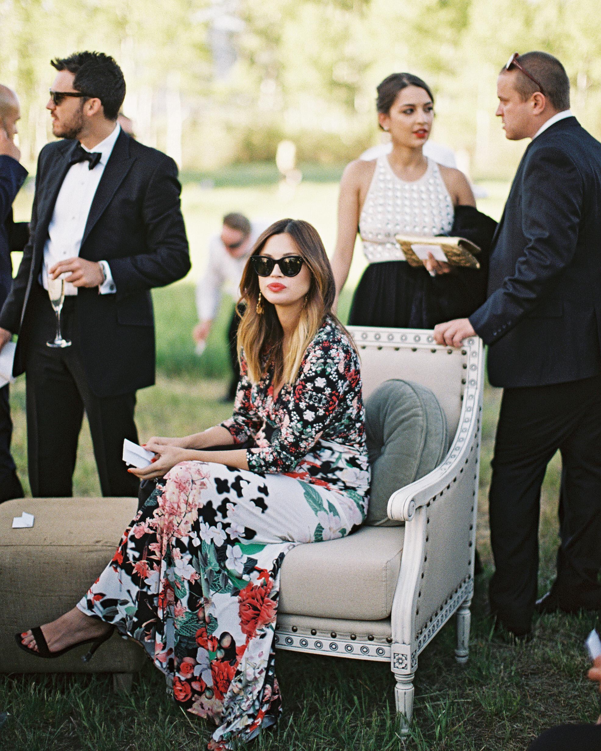 summer wedding guests shades