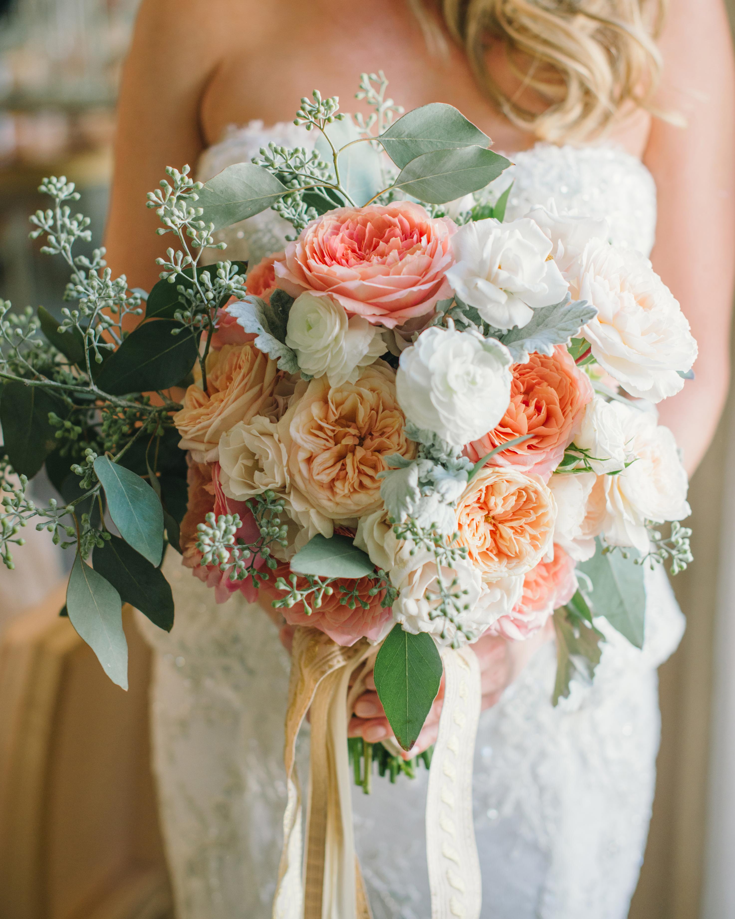 alex-brandon-wedding-bouquet-017-s111338-0714.jpg