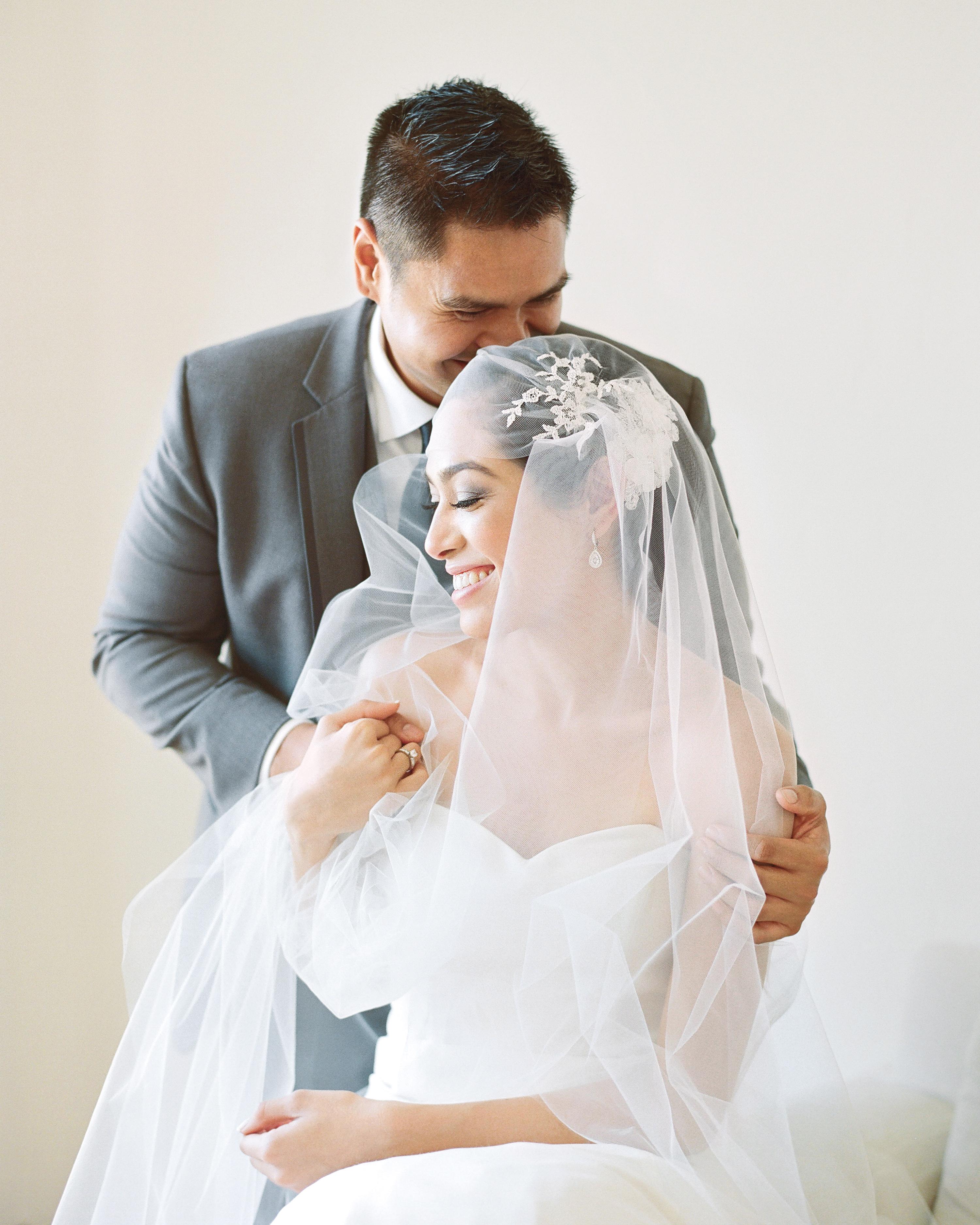 bride-groom-elizabeth-messina-001-mwds110806.jpg