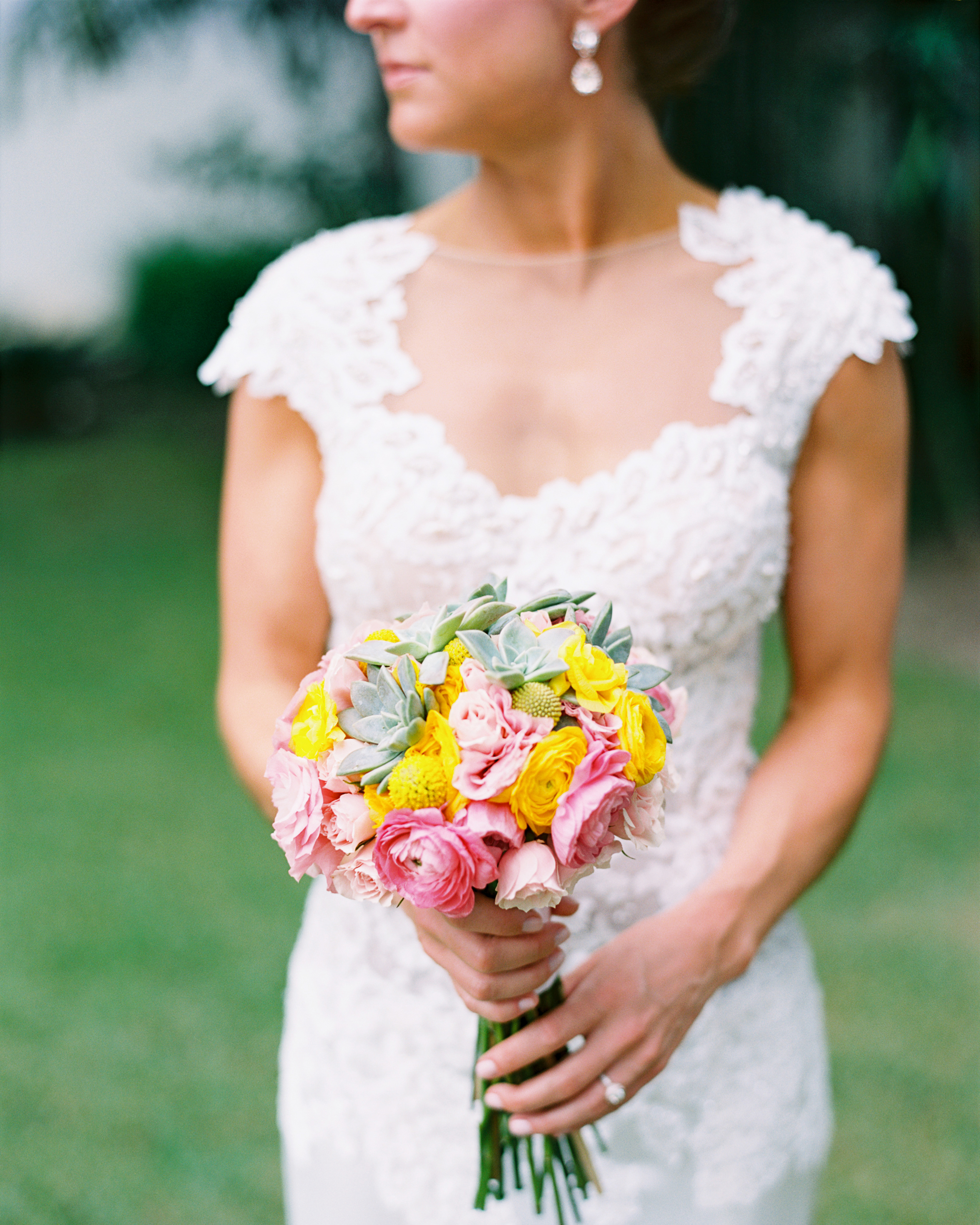 molly-nate-wedding-bouquet-096-s111479-0814.jpg