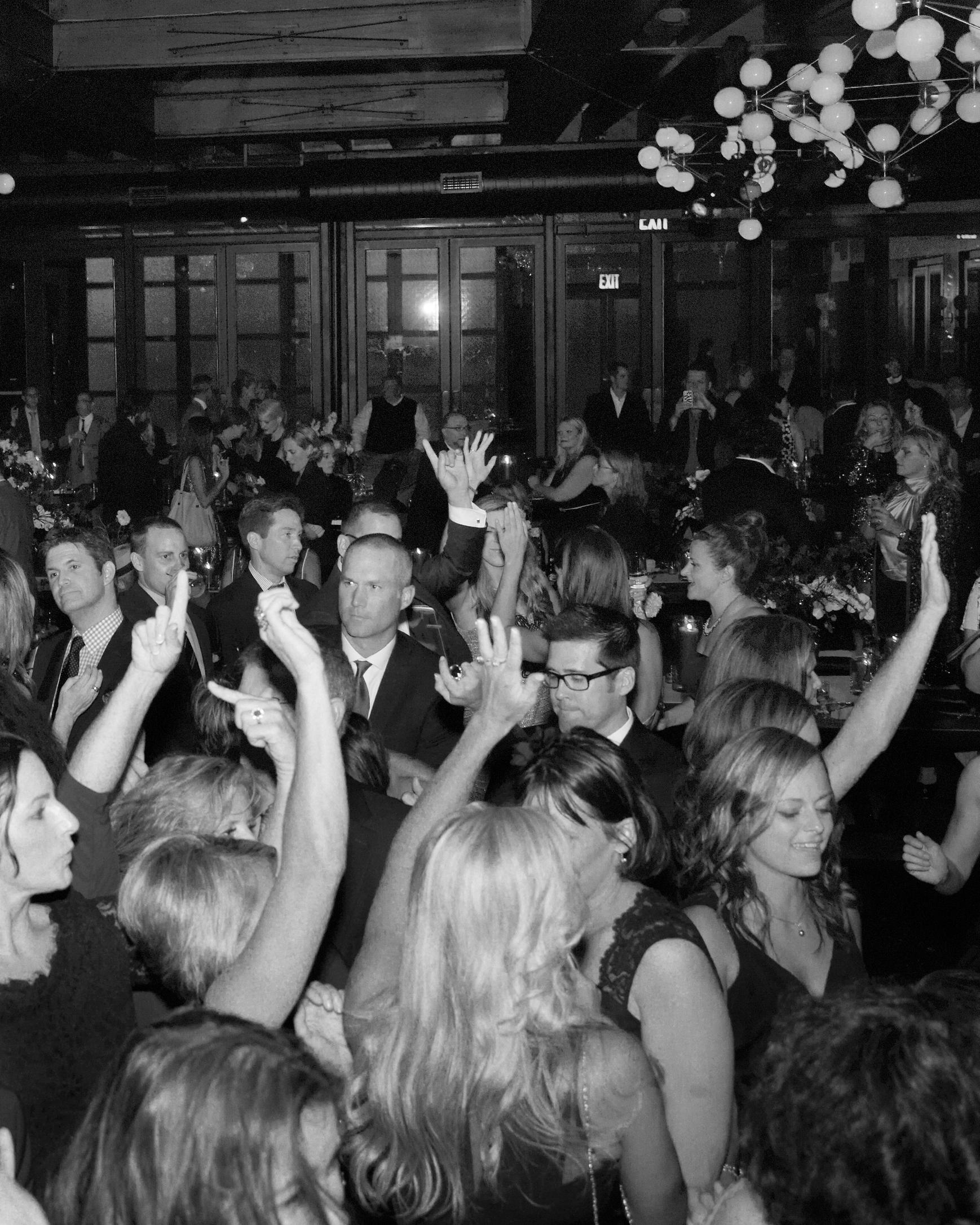 rw-anthony-rusty-reception-dancing-1354-04024-bw-wd110176.jpg