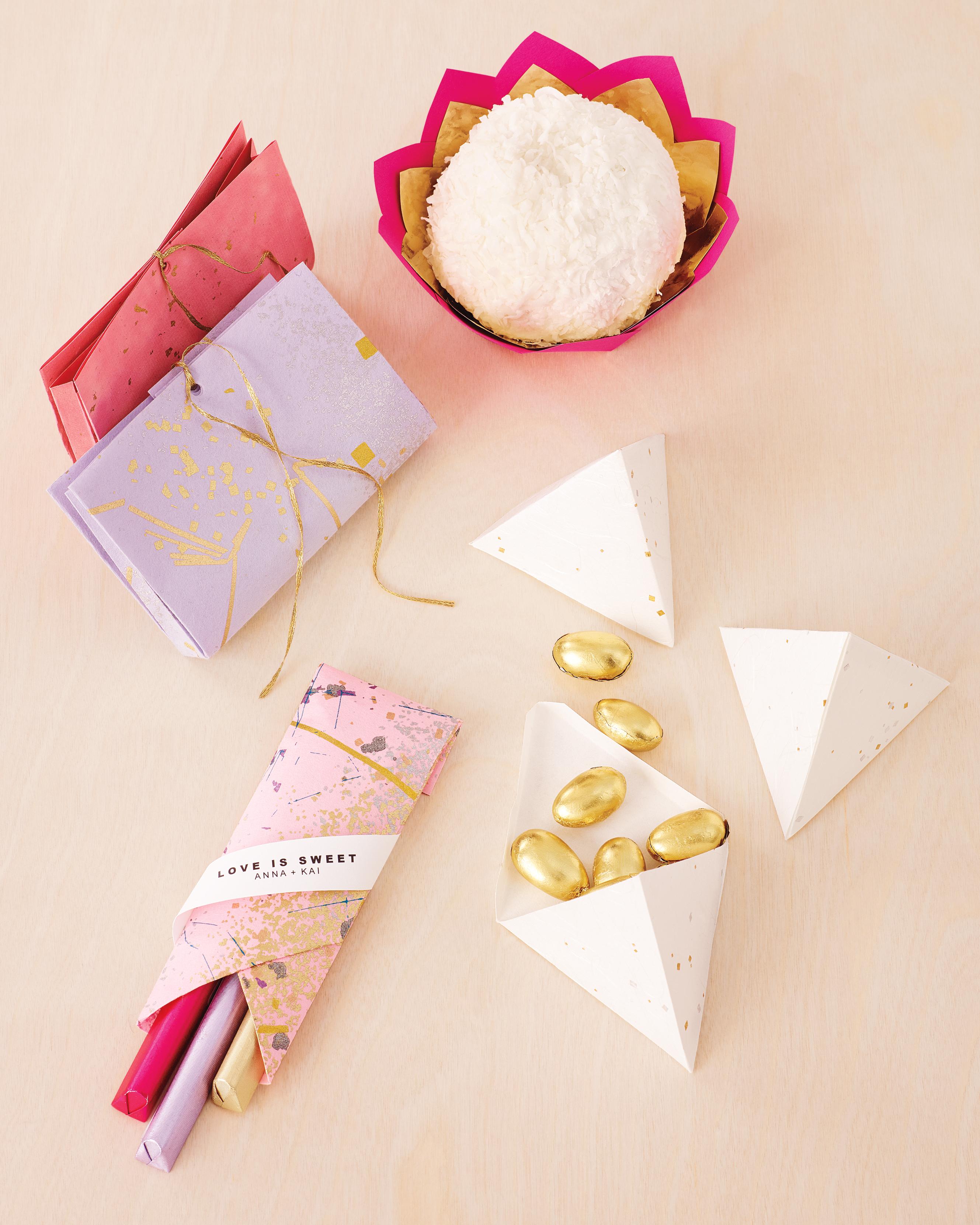 10 DIY Origami Ideas for Your Wedding | Martha Stewart Weddings | 3323x2658