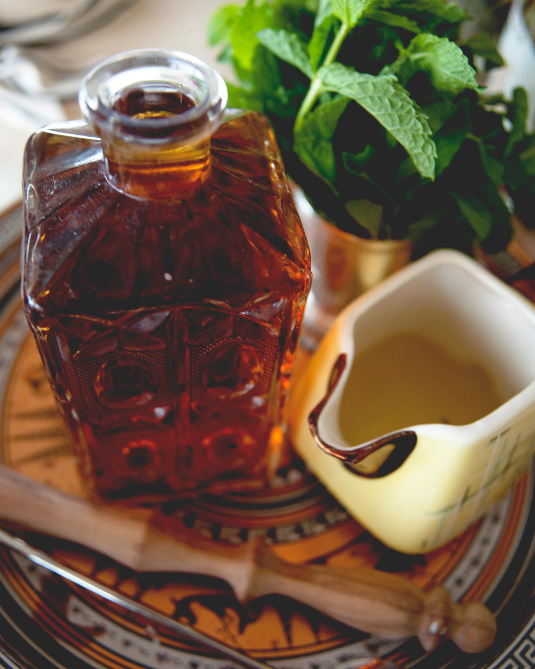 claire-thomas-bridal-shower-derby-mint-julep-ingredients-0814.jpg