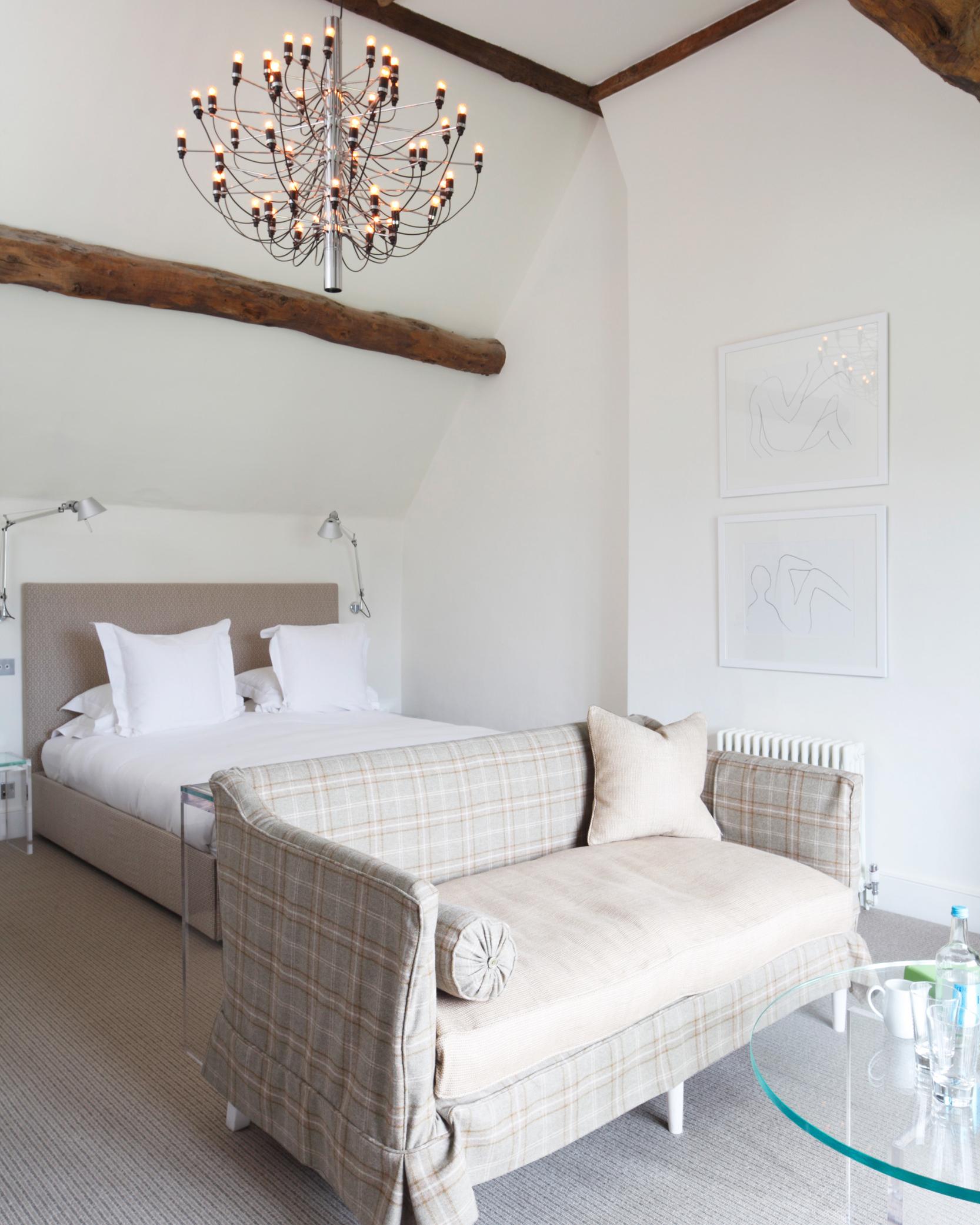 mrmrssmith-romantic-proposals-cotswalds-barnsley-house-1014.jpg
