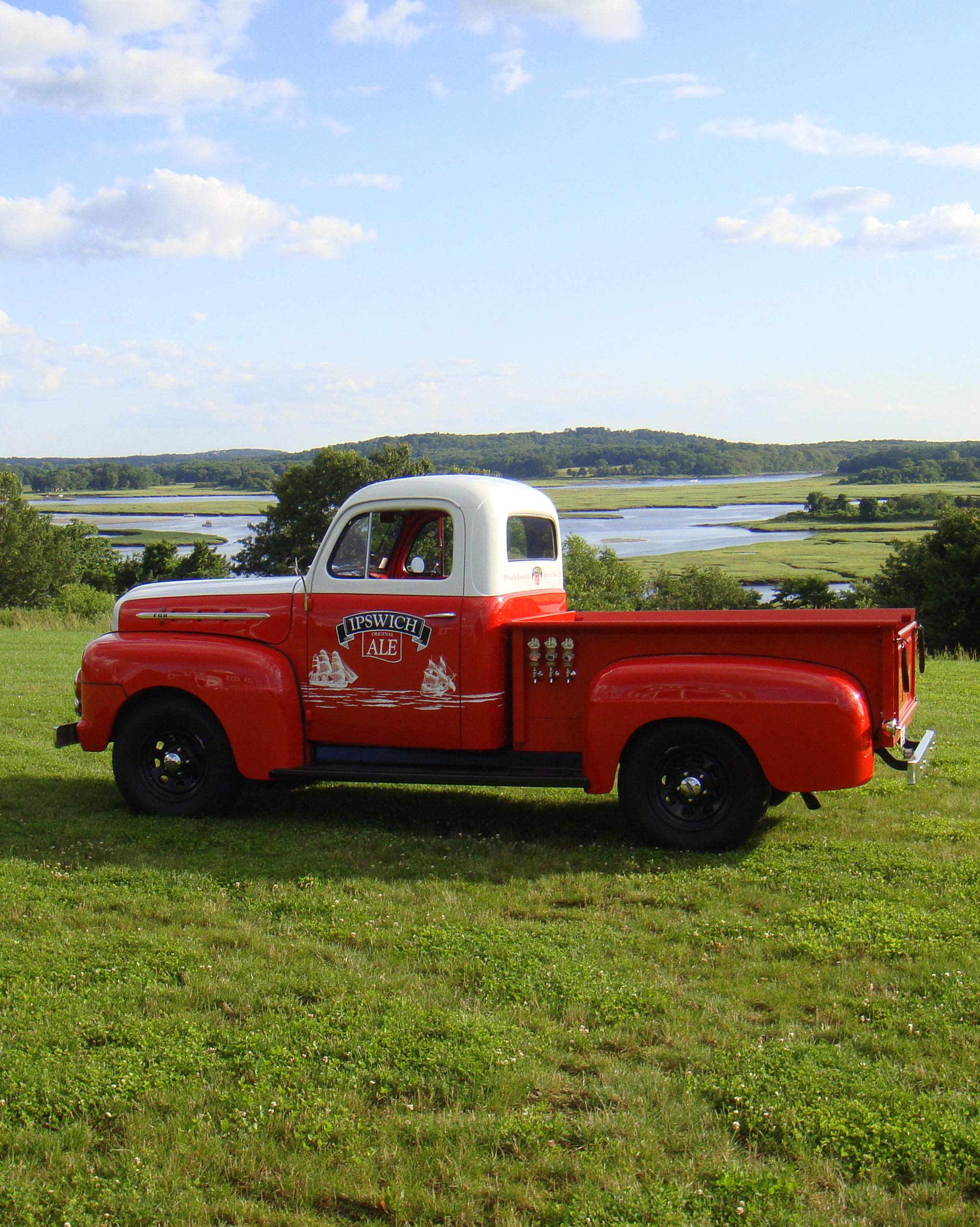 book-mobile-bar-tapmobile-big-red-truck-0914.jpg