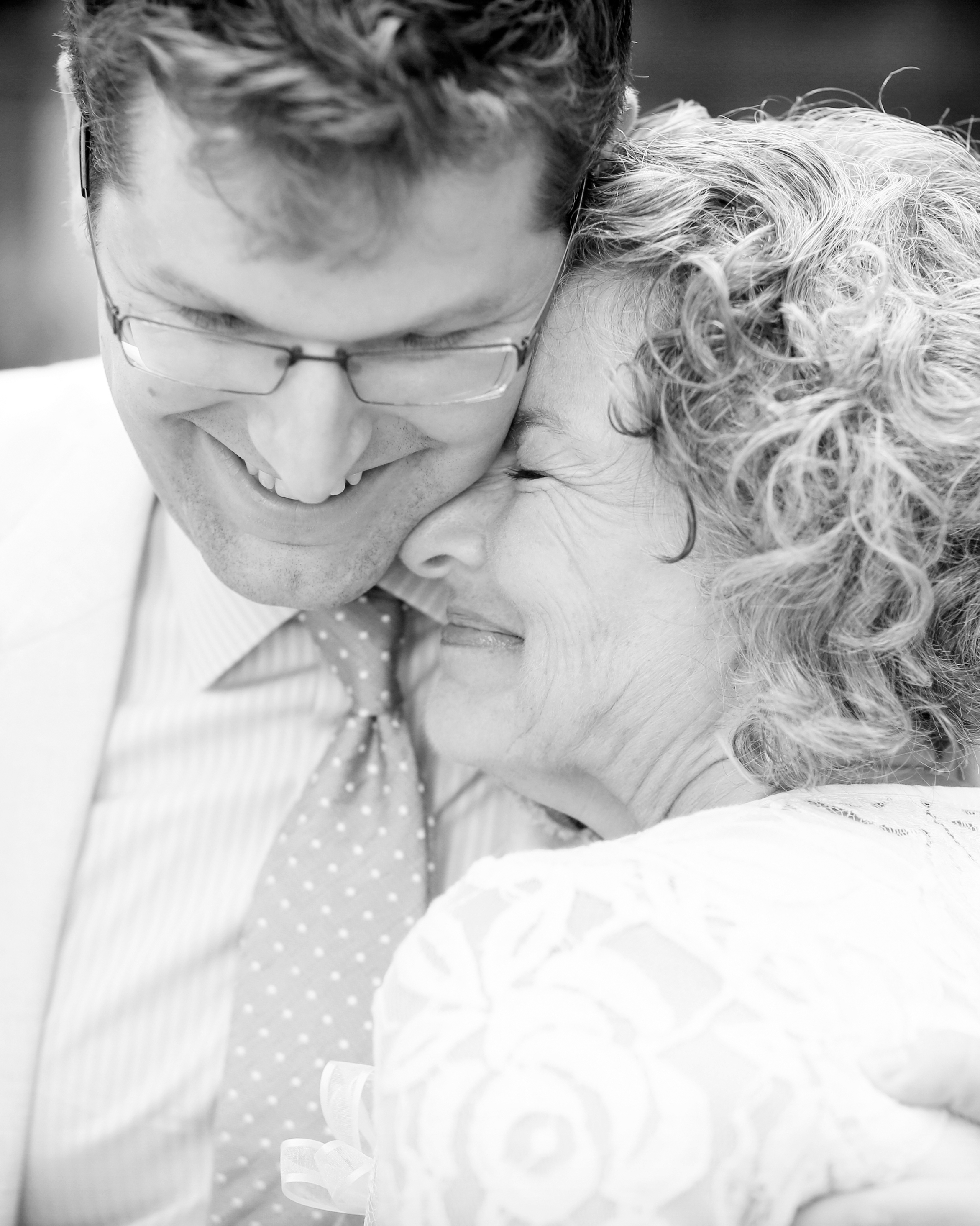 lindsay-andy-wedding-mom-4828-s111659-1114.jpg