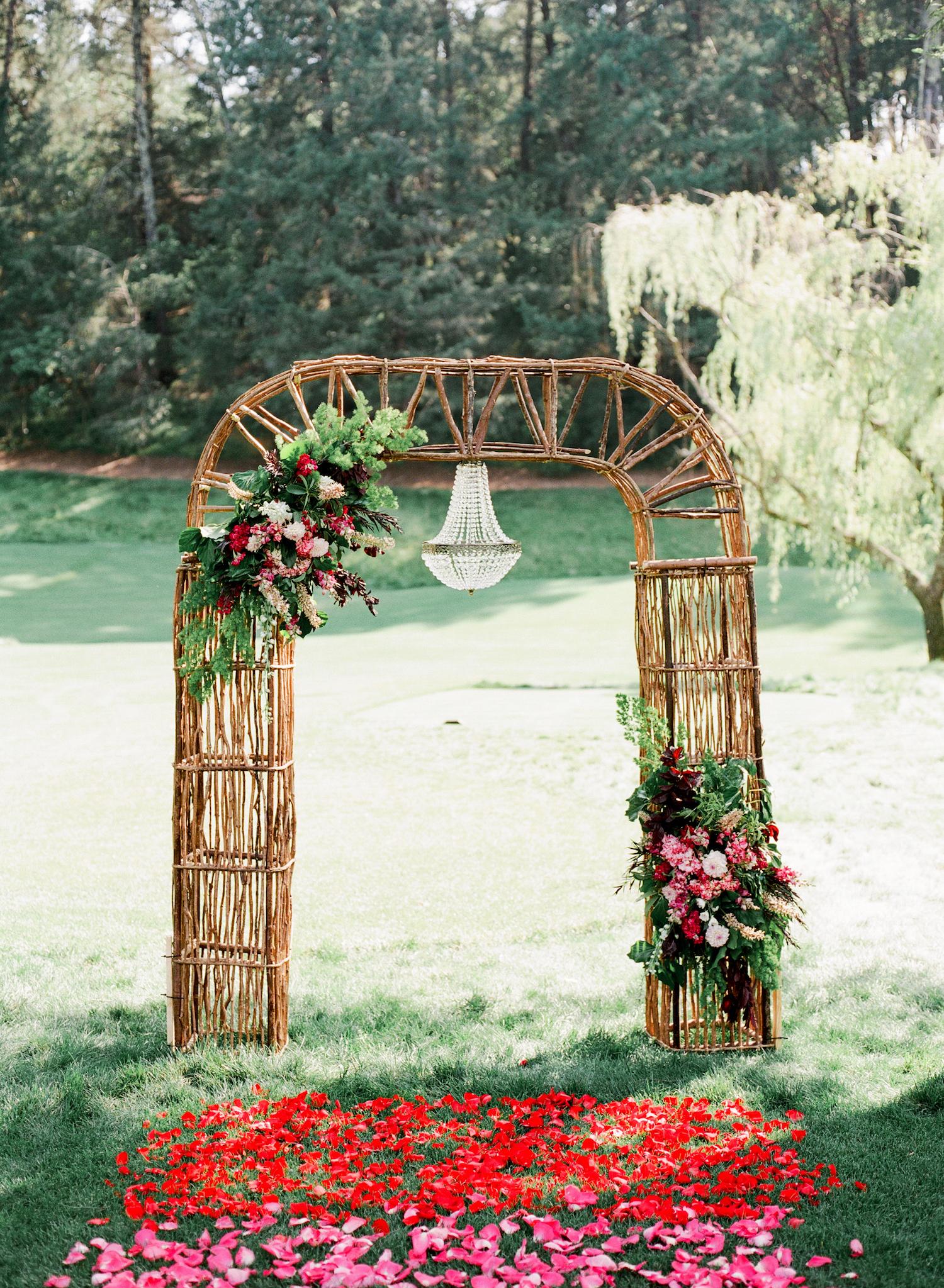 bride groom xo wreaths