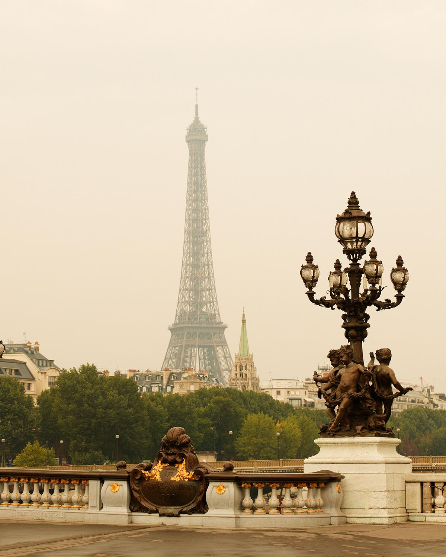 best-honeymoon-eiffel-tower-paris-0814.jpg