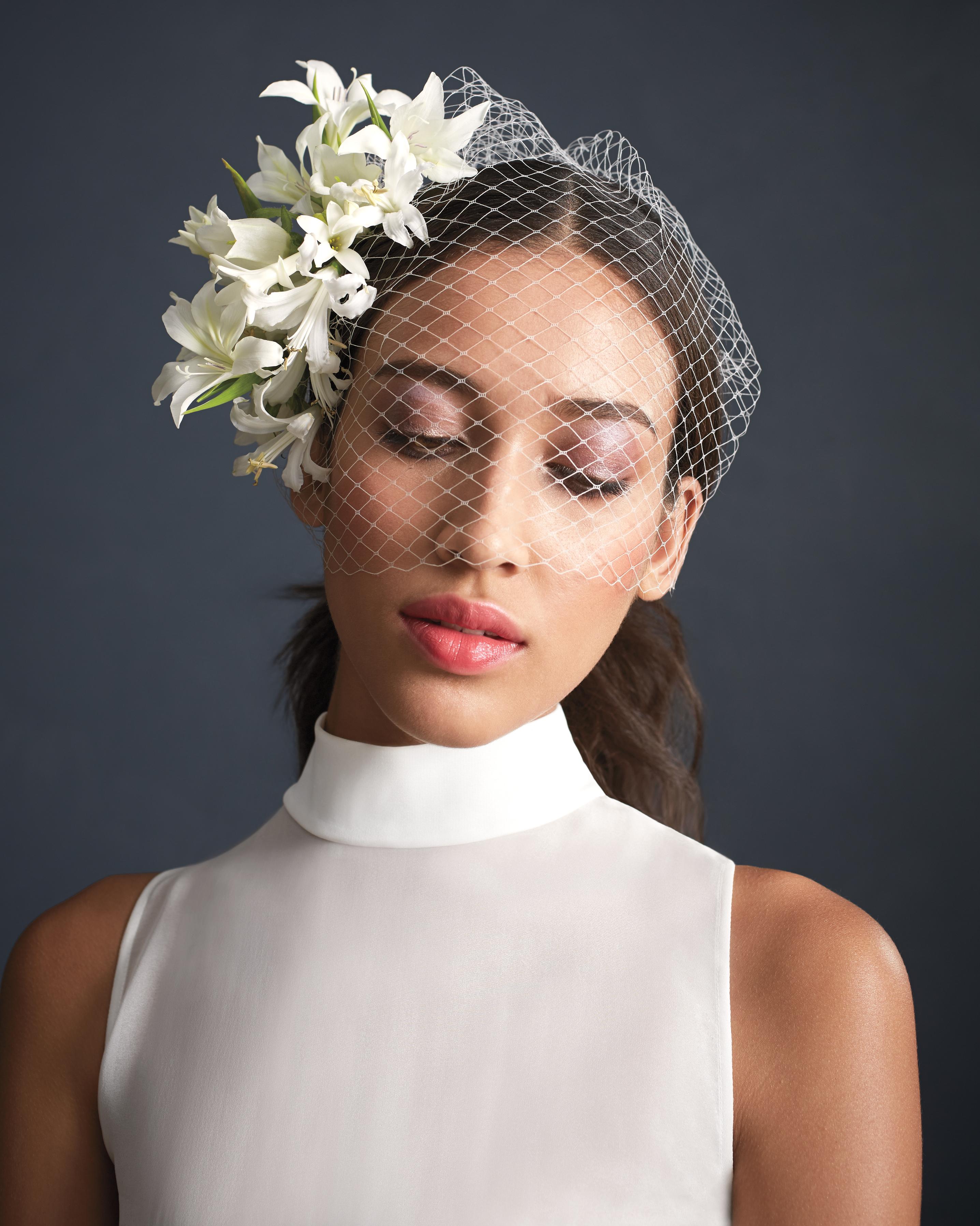 modern-bride-floral-fascinator-075-d111584.jpg