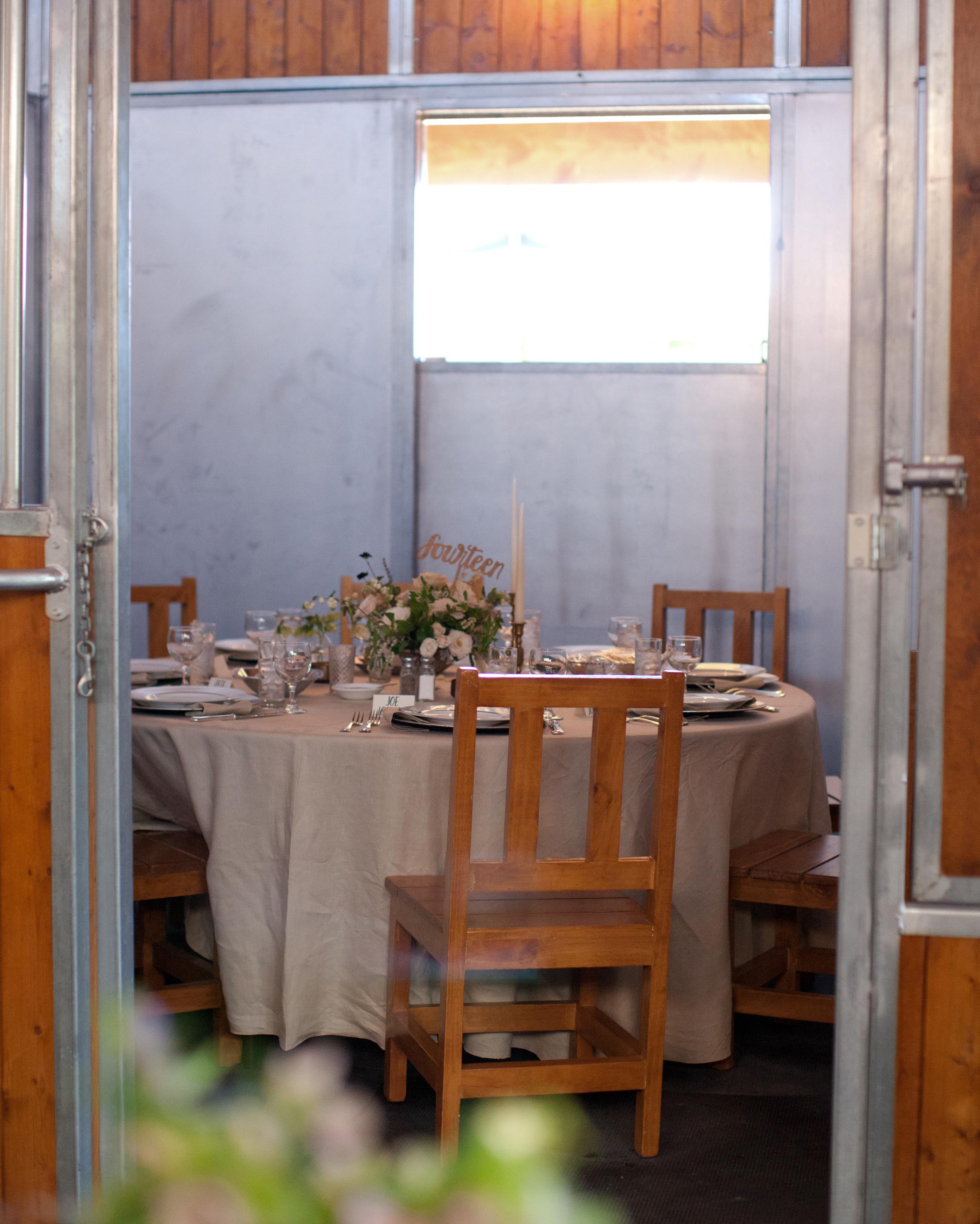 lizzy-pat-wedding-roundtable-152-s111777-0115.jpg