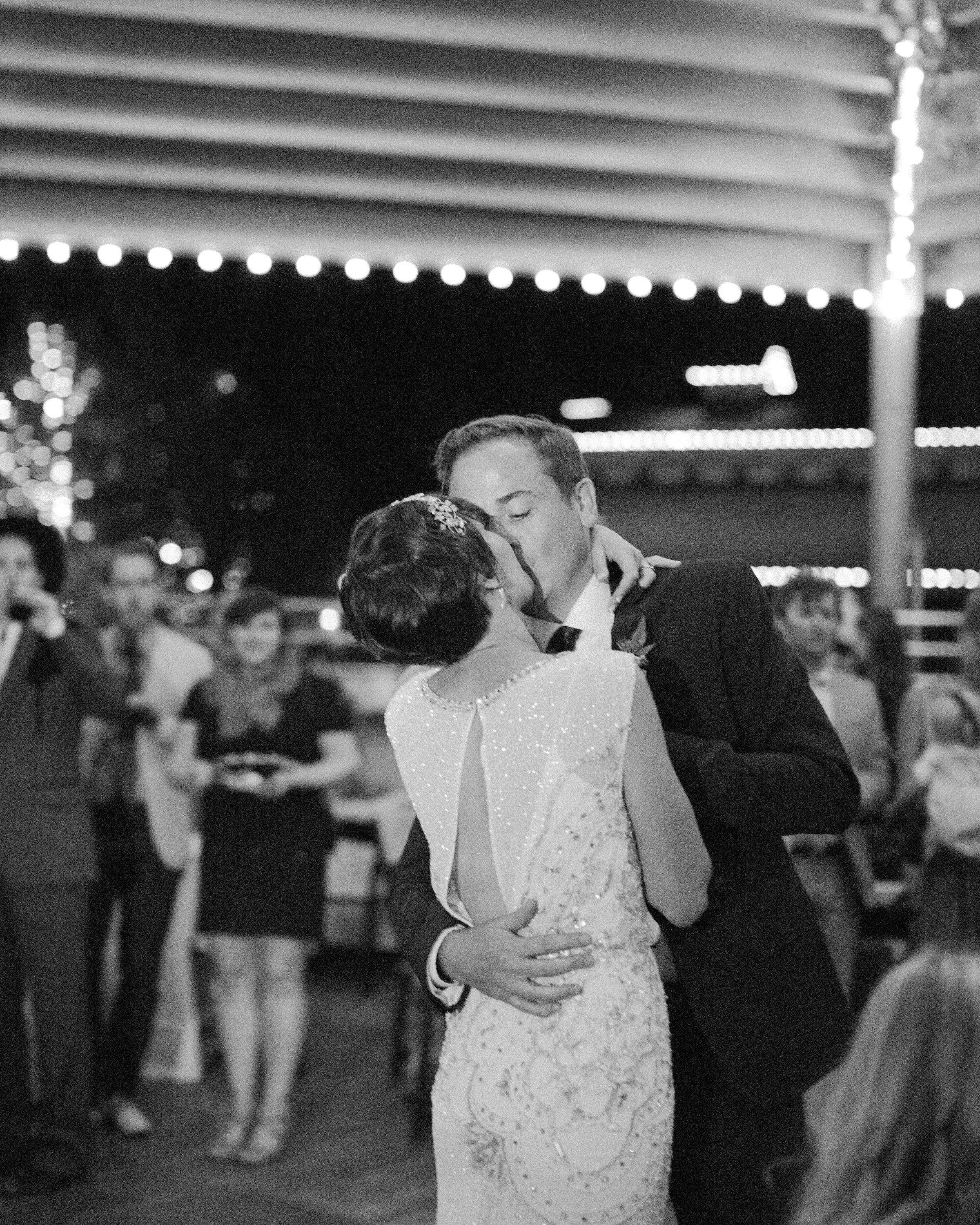 lizzy-pat-wedding-dance-196-s111777-0115.jpg