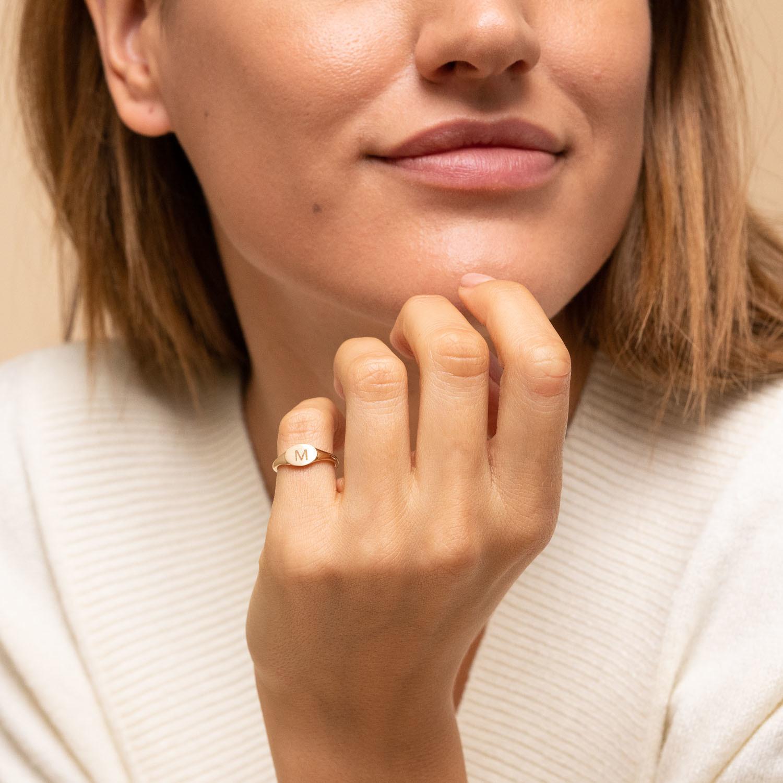 Mejuri Mini Signet Ring