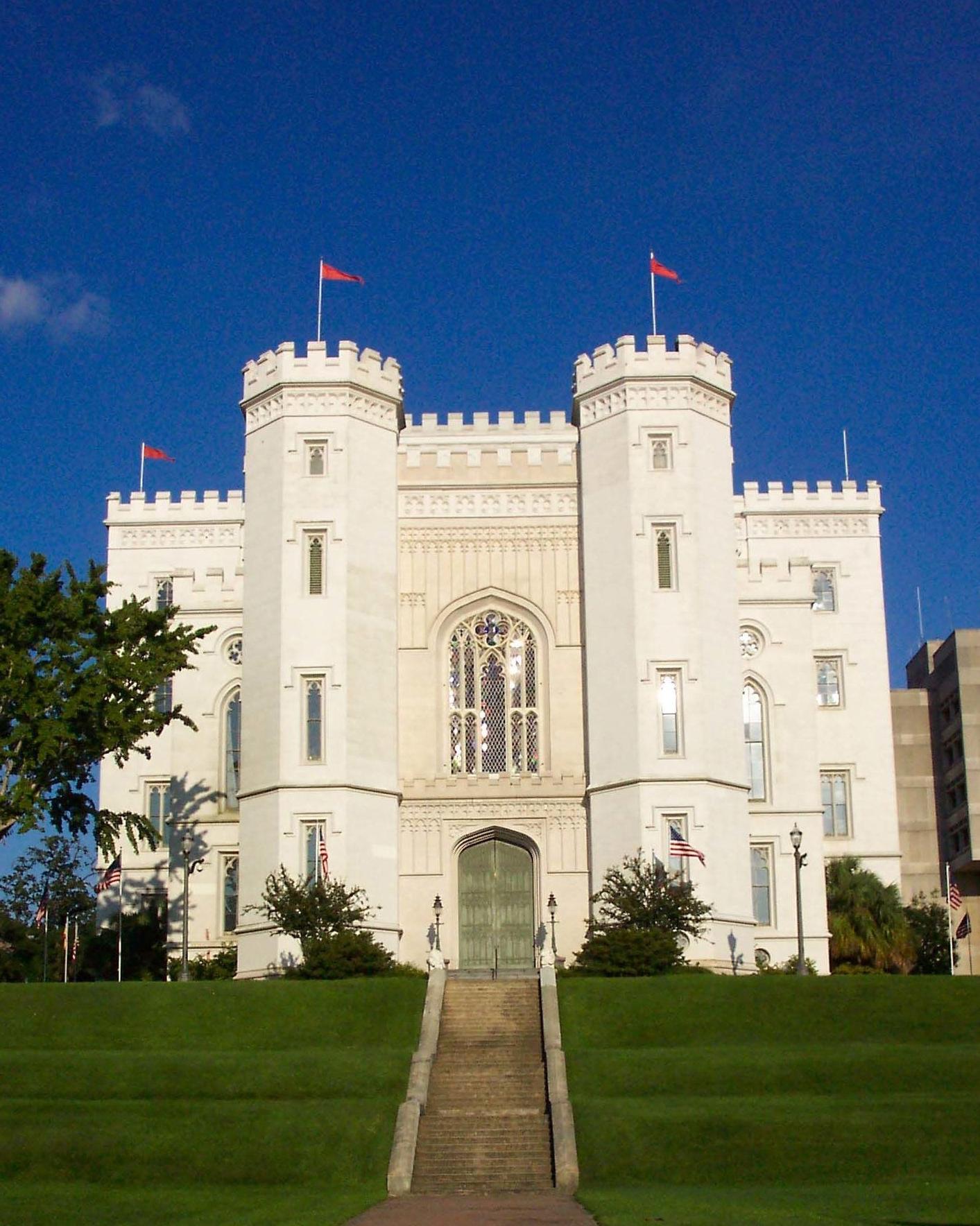 castle-wedding-venues-louisiana-old-state-capitol-baton-rouge-0115.jpg