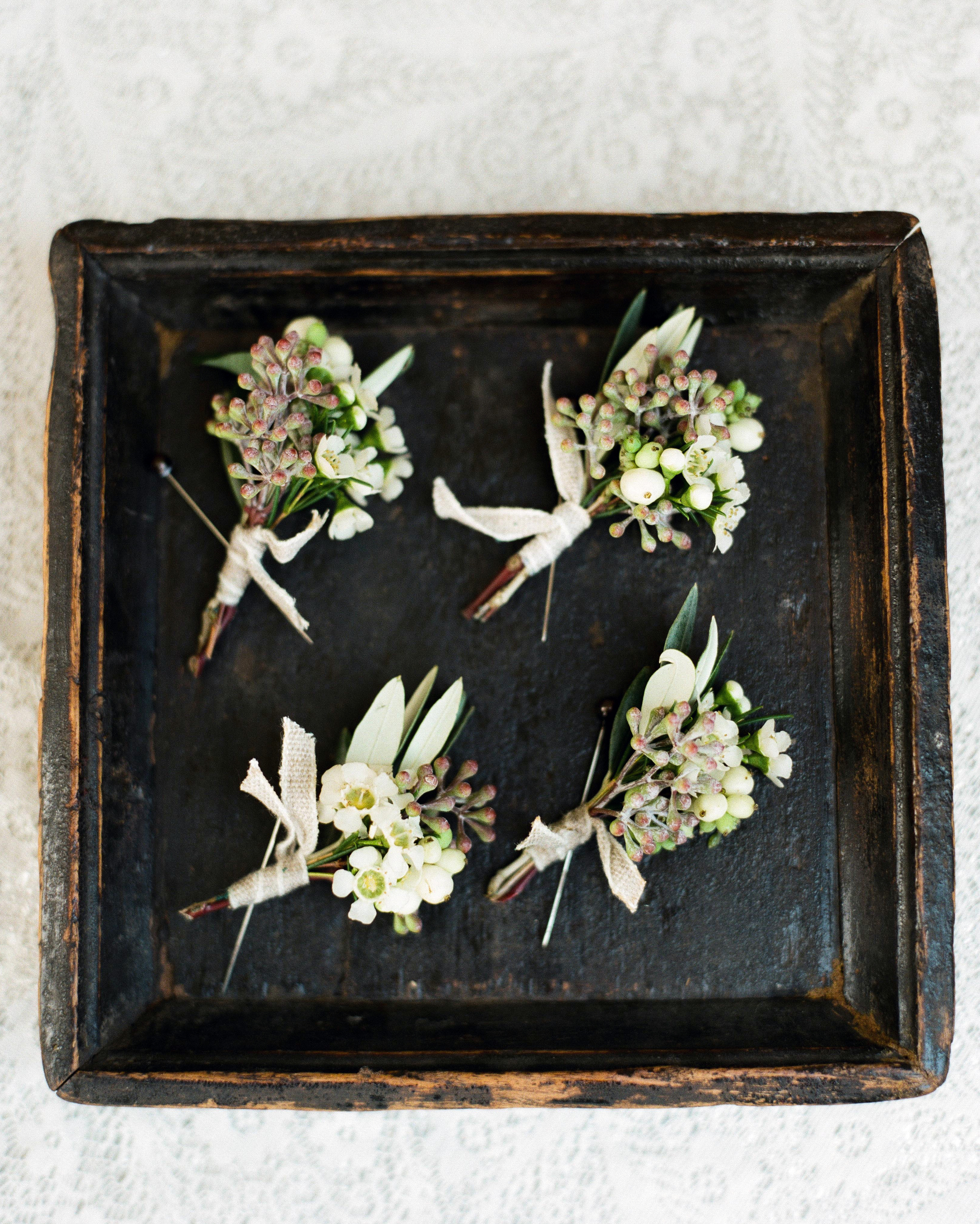 regina-jack-wedding-boutonnieres-20-s111820-0215.jpg