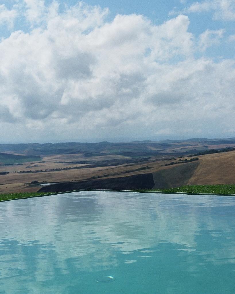 travel-insider-la-bandita-infinity-pool-0215.jpg