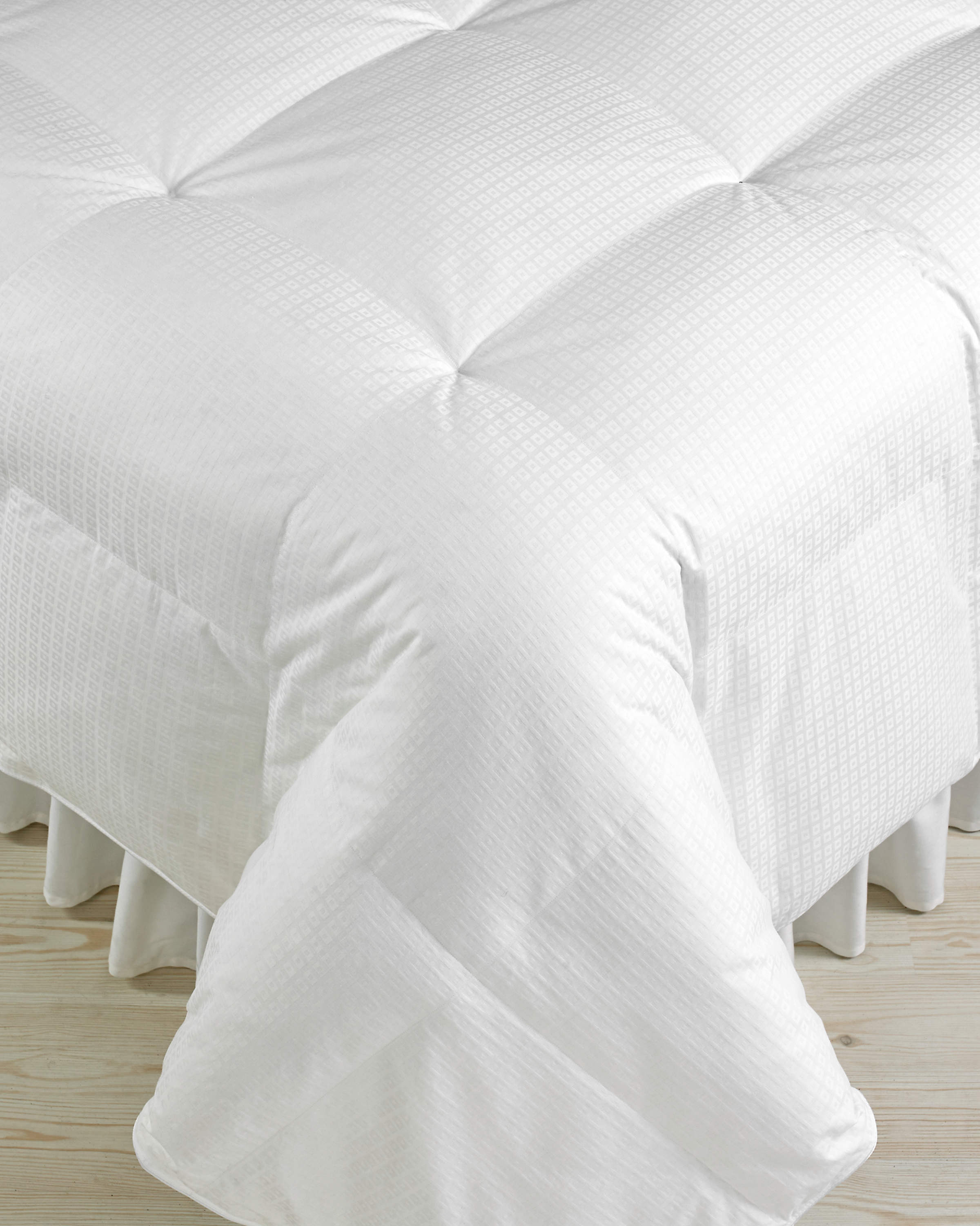 macys-registry-3-hotel-collection-lightweight-down-comforter-0115.jpg