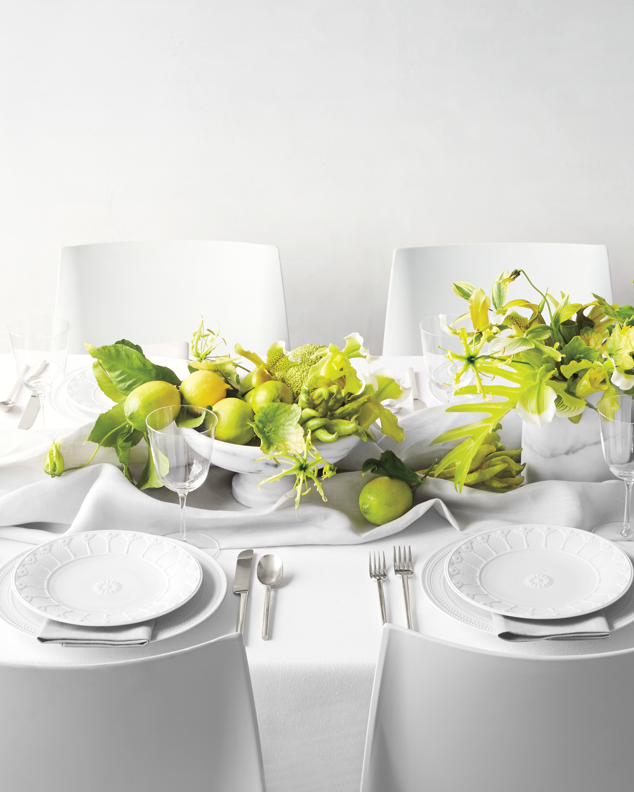 green-table-centerpieces-0412-d111712.jpg