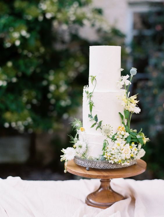 The Secret Garden inspired classic three-tier wedding cake