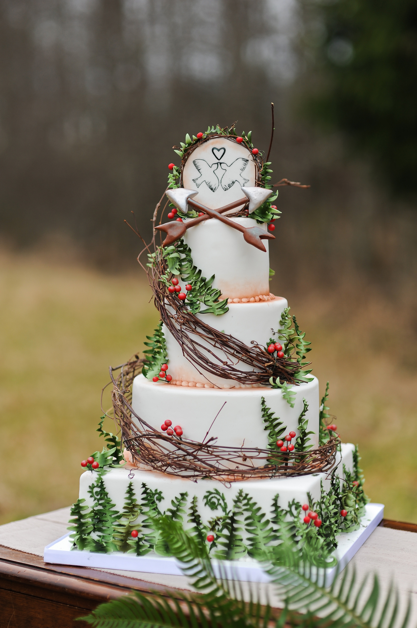 Hunger Games-themed wedding cake