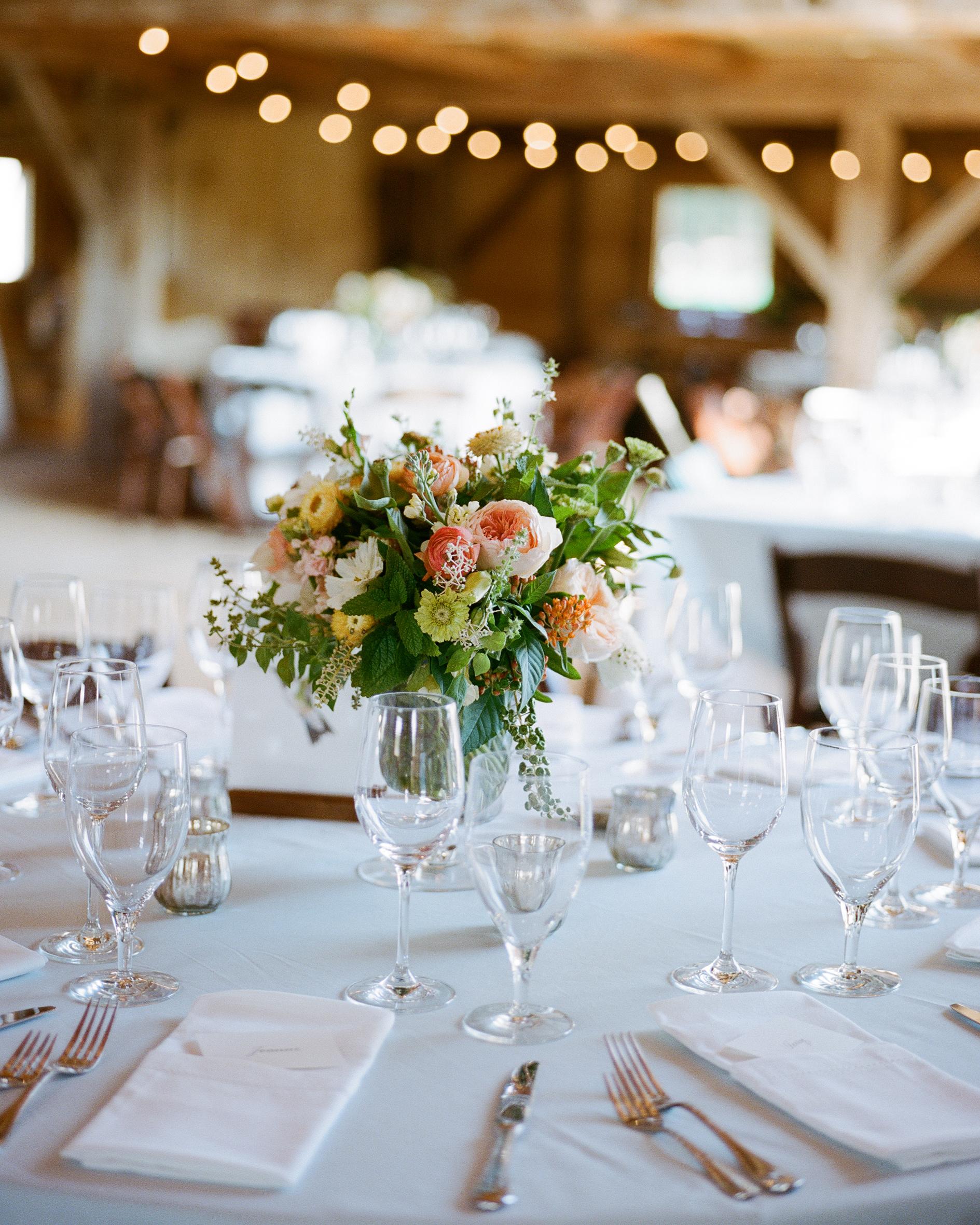 jocelyn-graham-wedding-centerpiece-1108-s111847-0315.jpg
