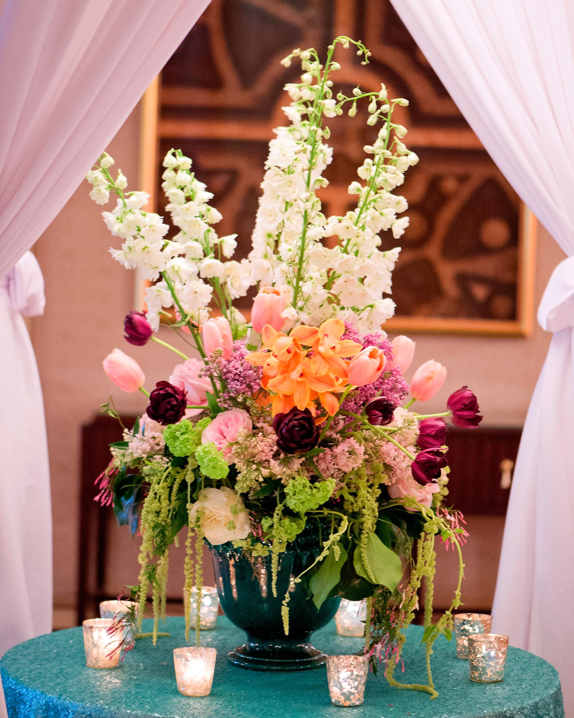 msw-chicago-party15-007-flower-centerpiece-0315.jpg