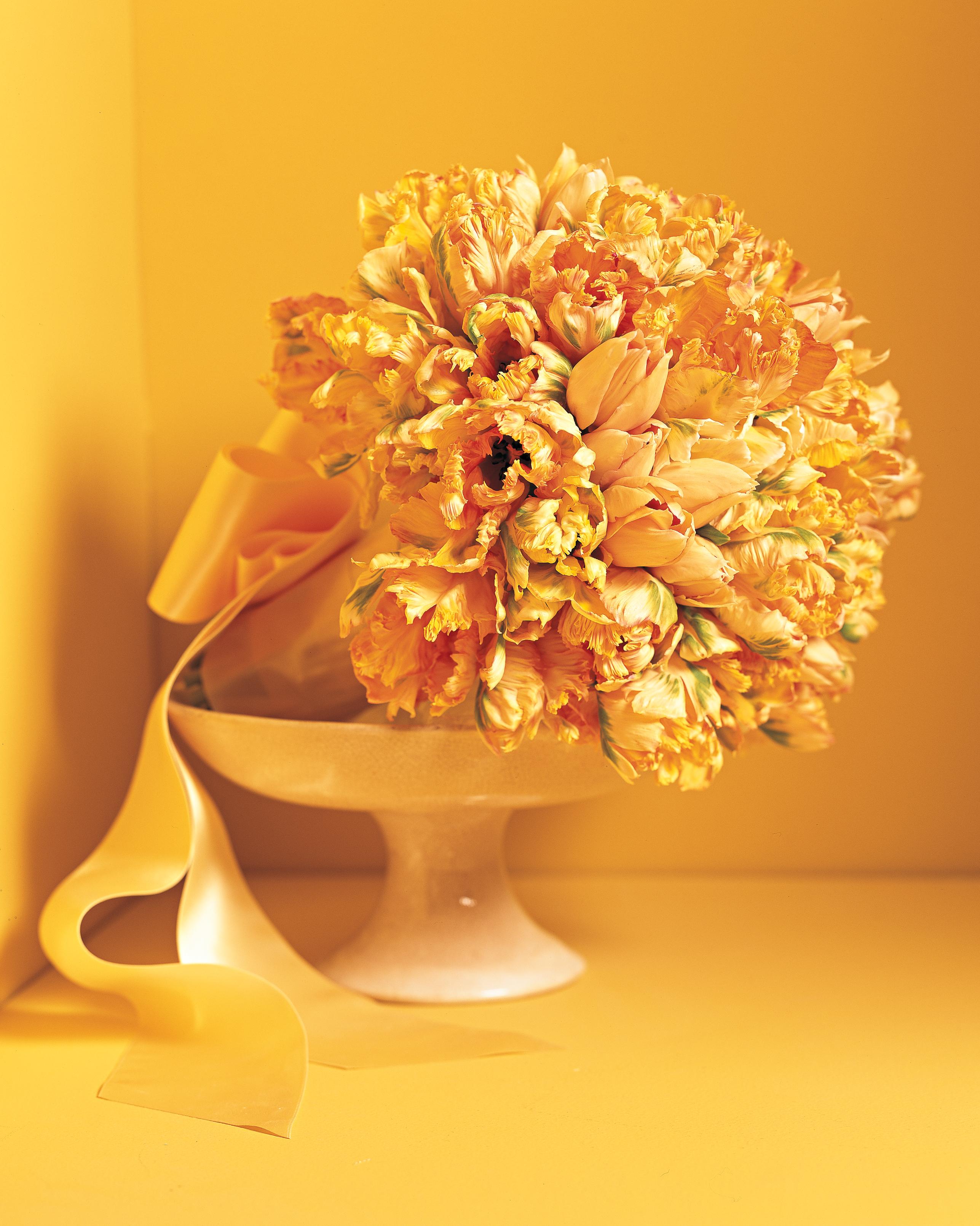 mad-men-wedding-tulip-bouquet-mw810e2-0315.jpg