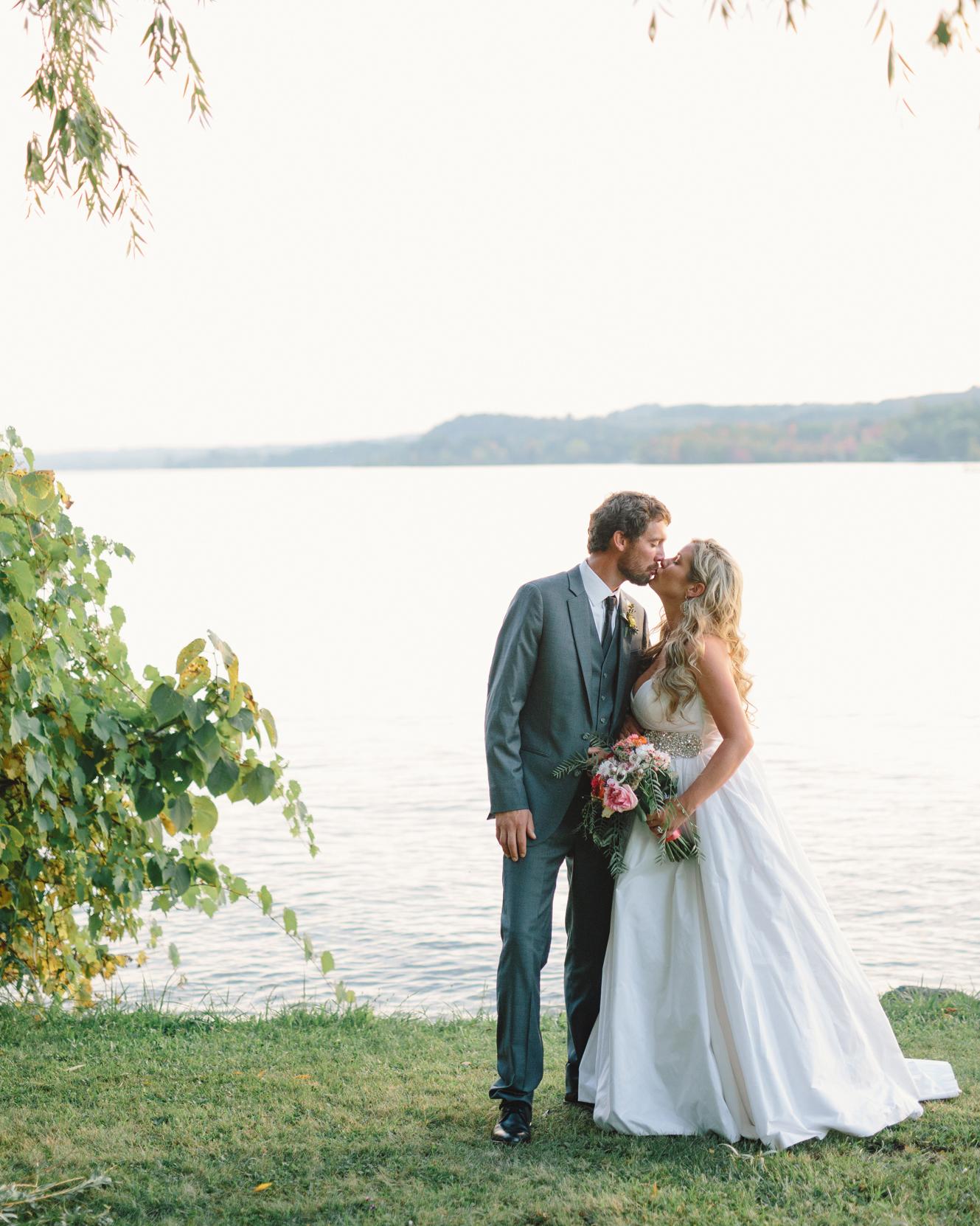 lizzy-bucky-wedding-couple-515-s111857-0315.jpg