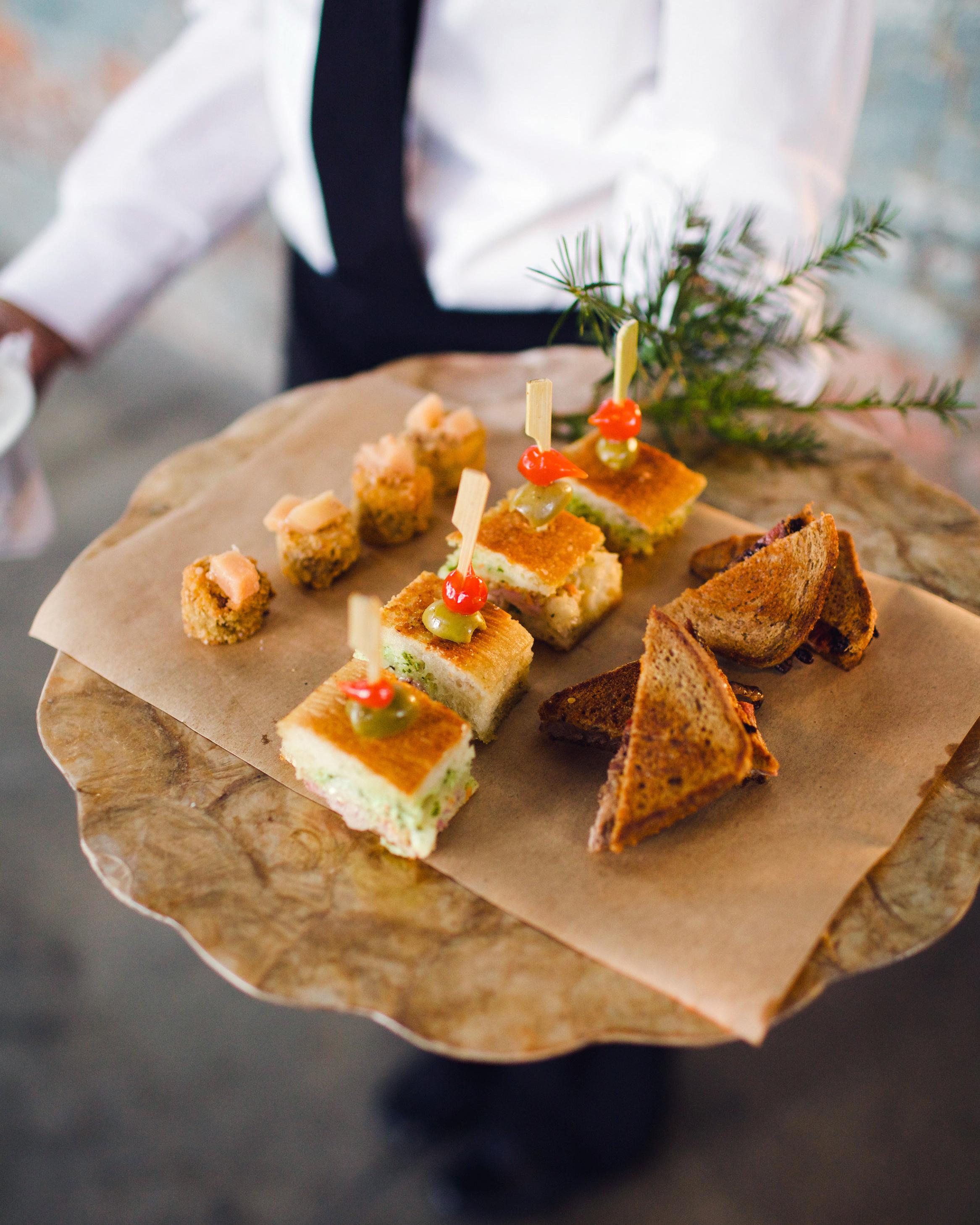 lauren-jake-wedding-appetizers-7359-s111838-0315.jpg