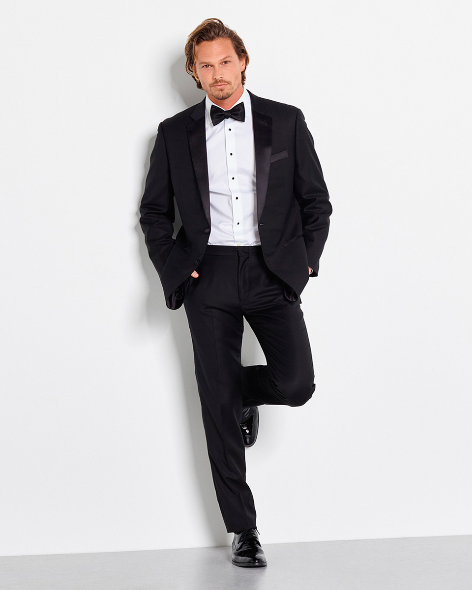online-rental-wear-companies-the-black-tux-notched-lapel-tuxedo-0415.jpg