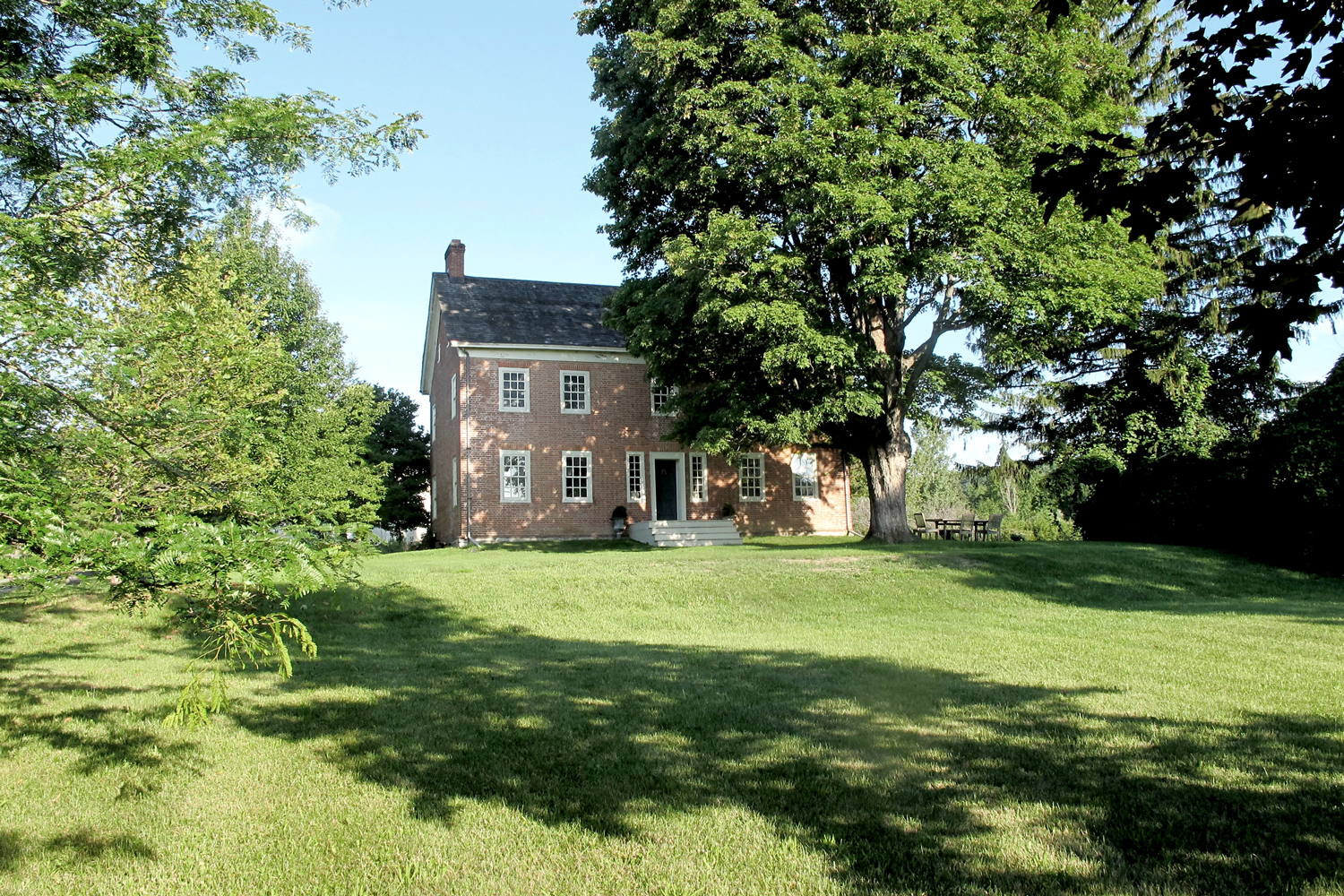 air bnb wedding venue new york manor house surrounded by trees