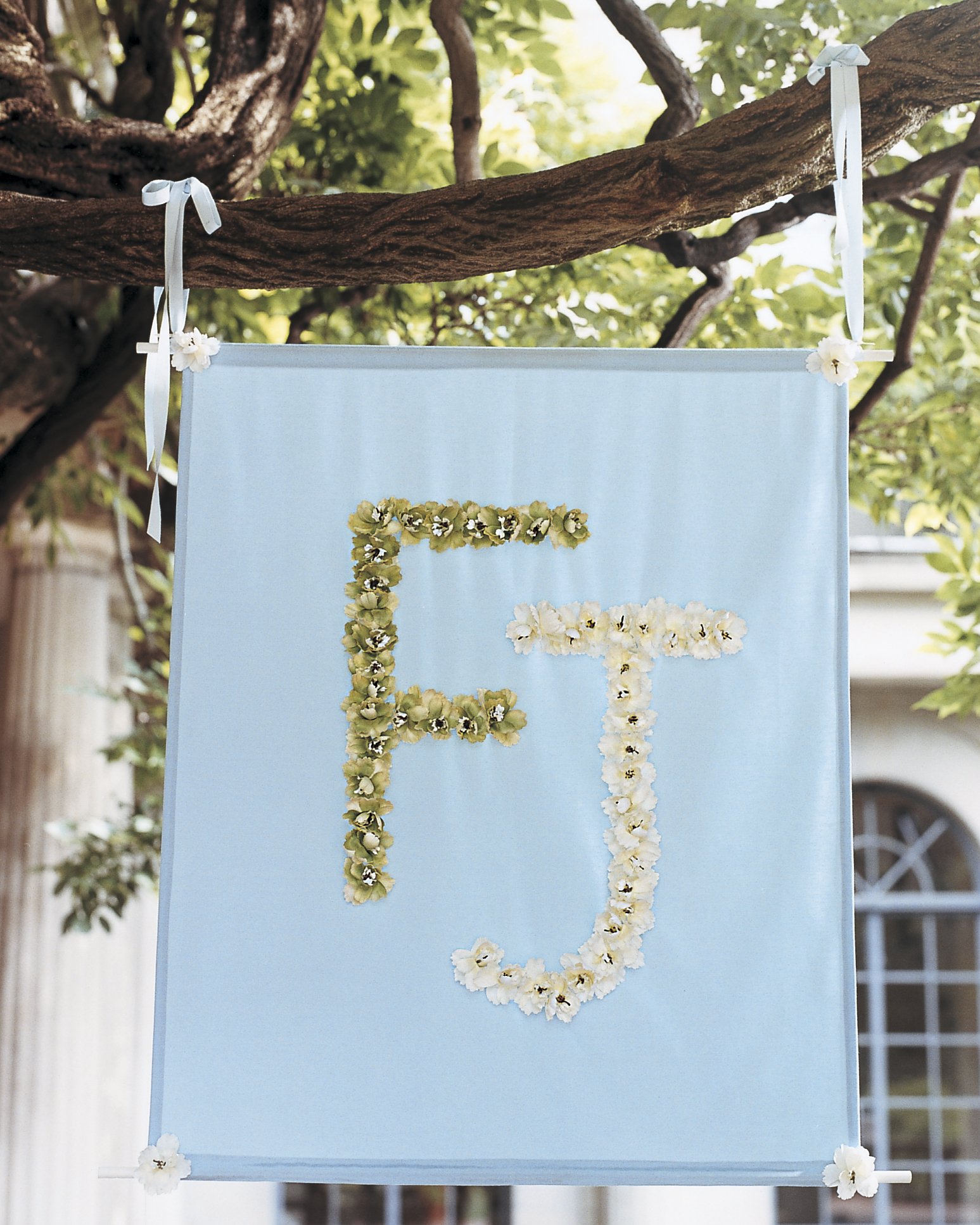 Simple Wedding Car Decoration Ideas: Outdoor Wedding Decorations That Are Easy To DIY