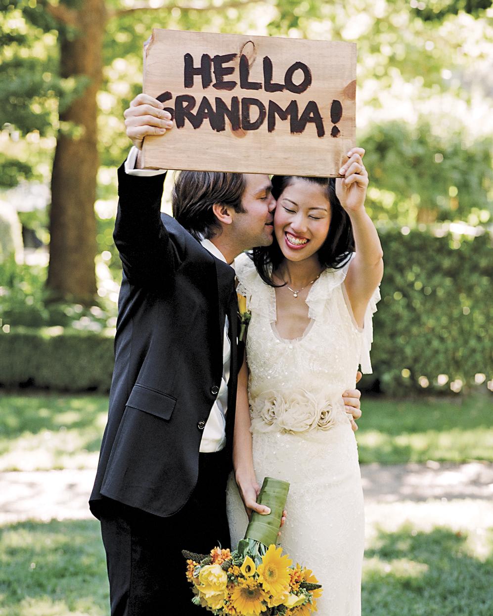 include-mothers-jennifer-james-wedding-sign-grandma-su09-0515.jpg