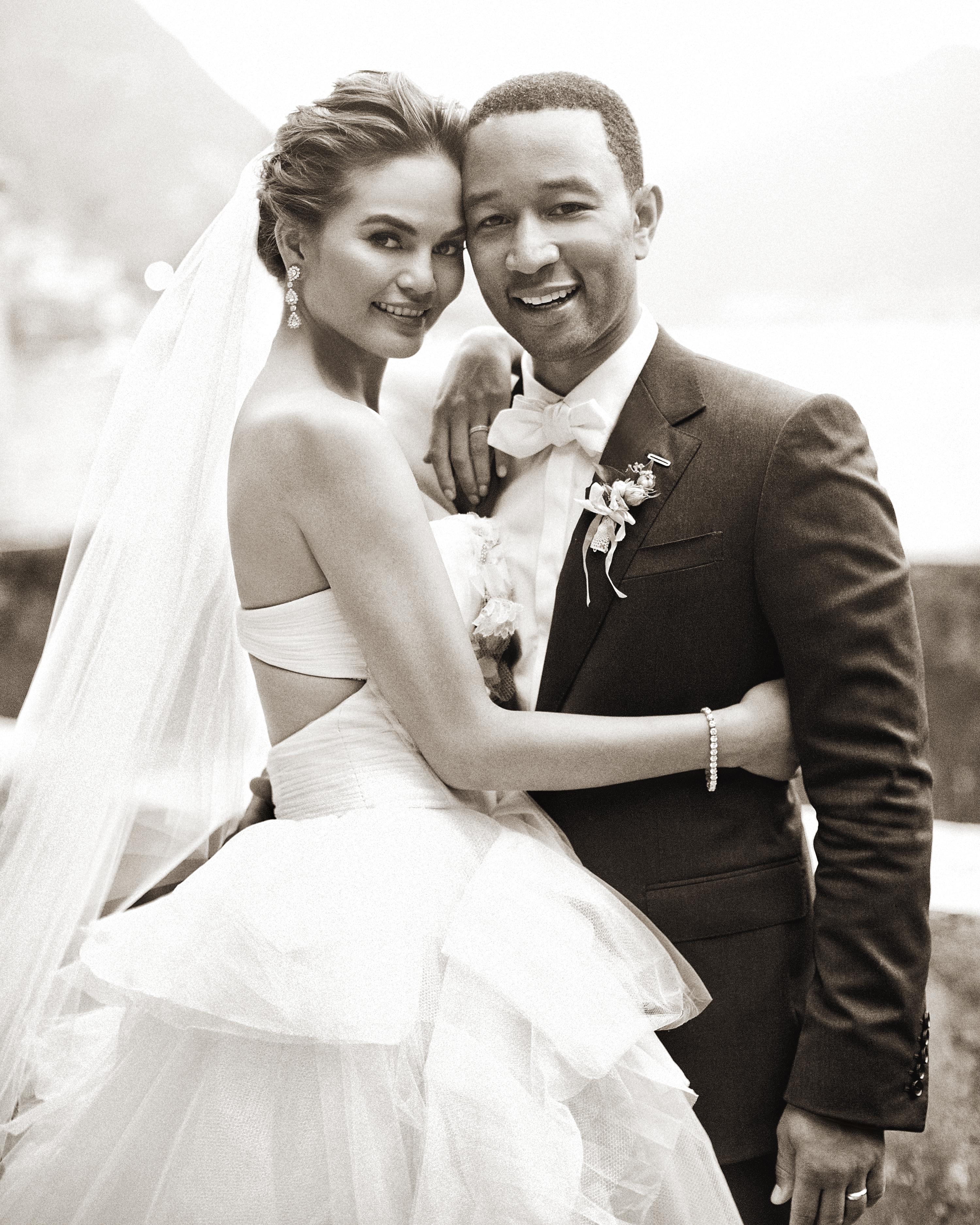 bride-groom-johnlegend-delesie0128-bw-mwds110843.jpg