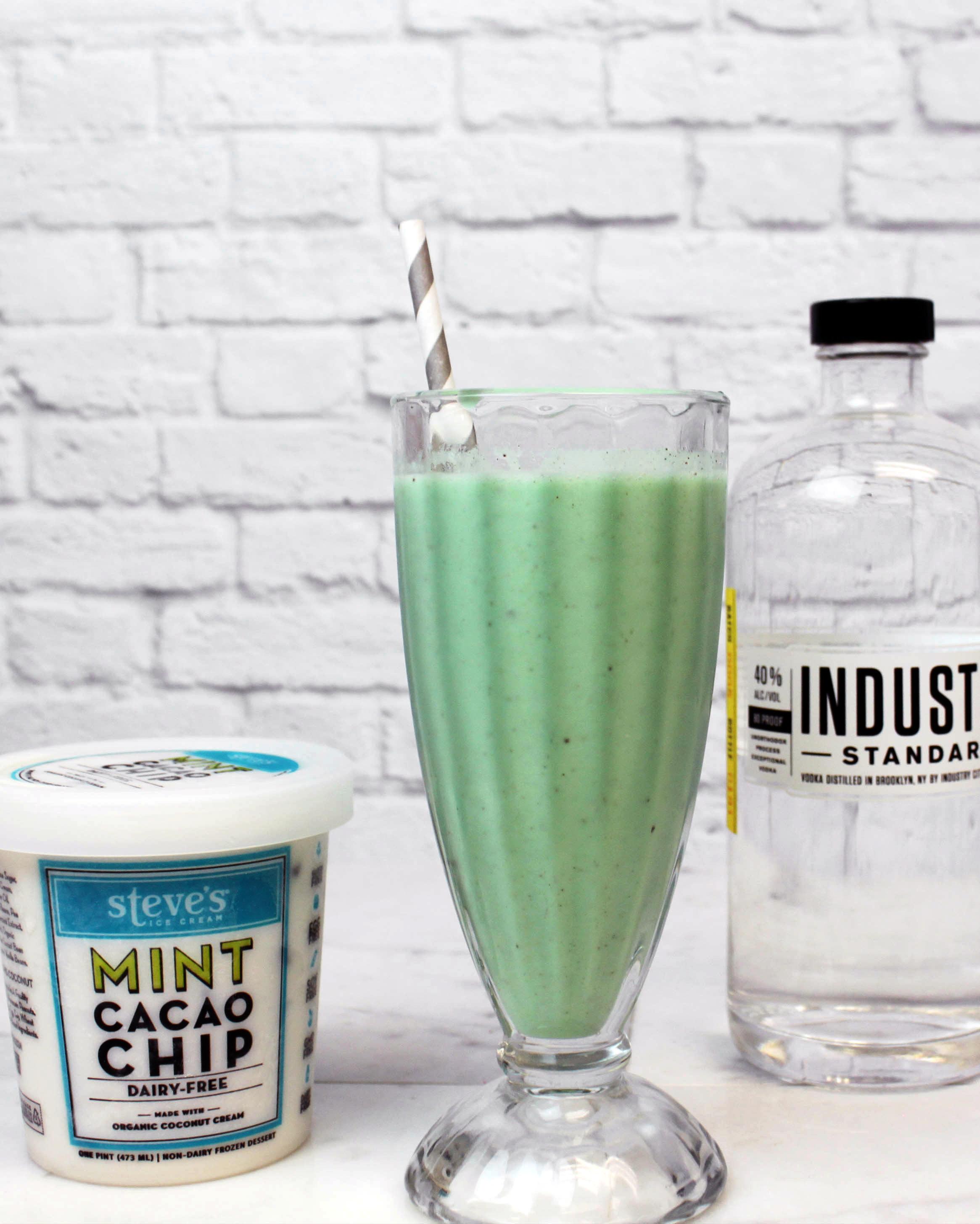 late-night-milkshake-creme-de-menthe-steves-ice-cream-2-0615.jpg