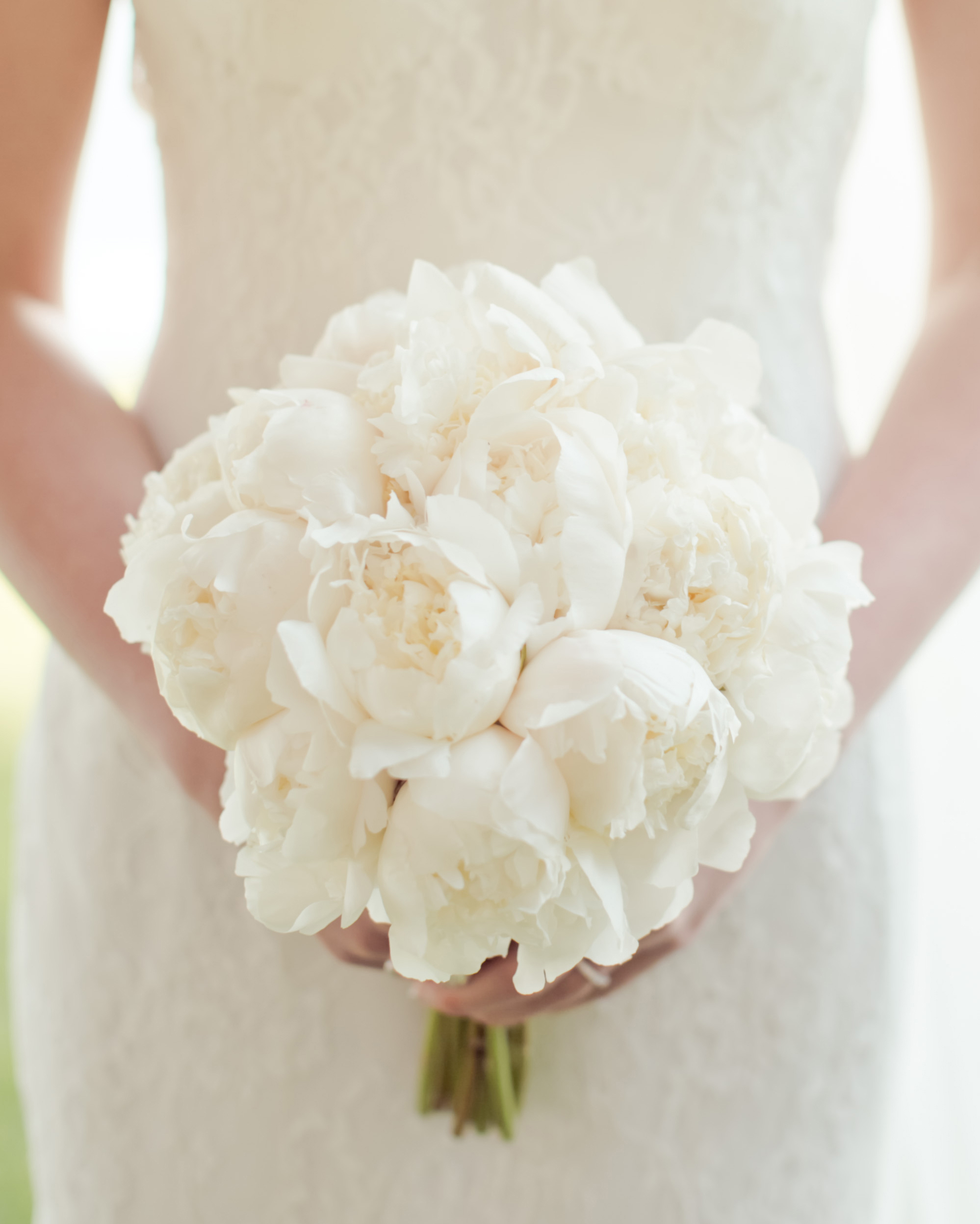 emma-michelle-wedding-bouquet-0807-s112079-0715.jpg