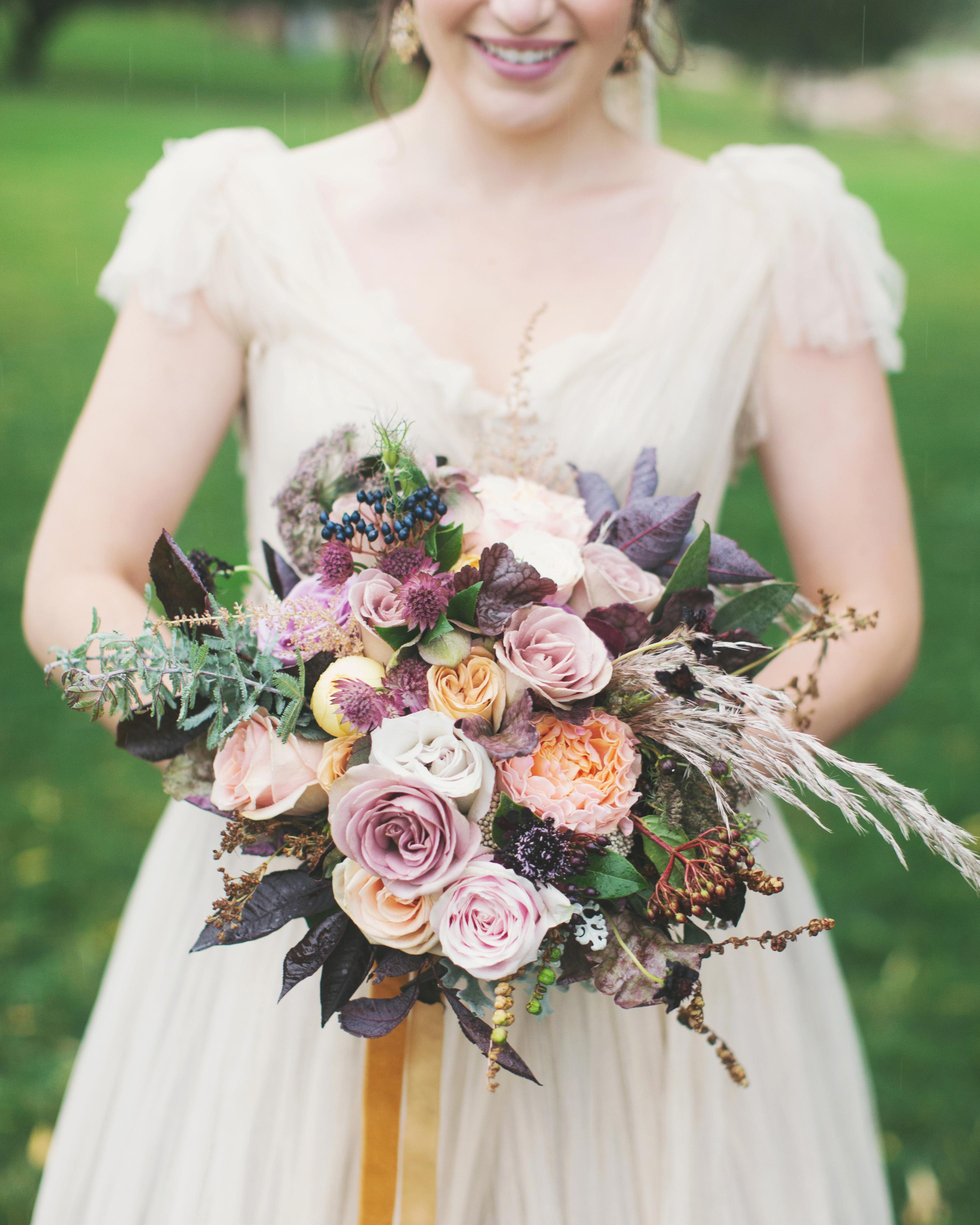sara-matt-wedding-bouquet-2525-s111990-0715.jpg