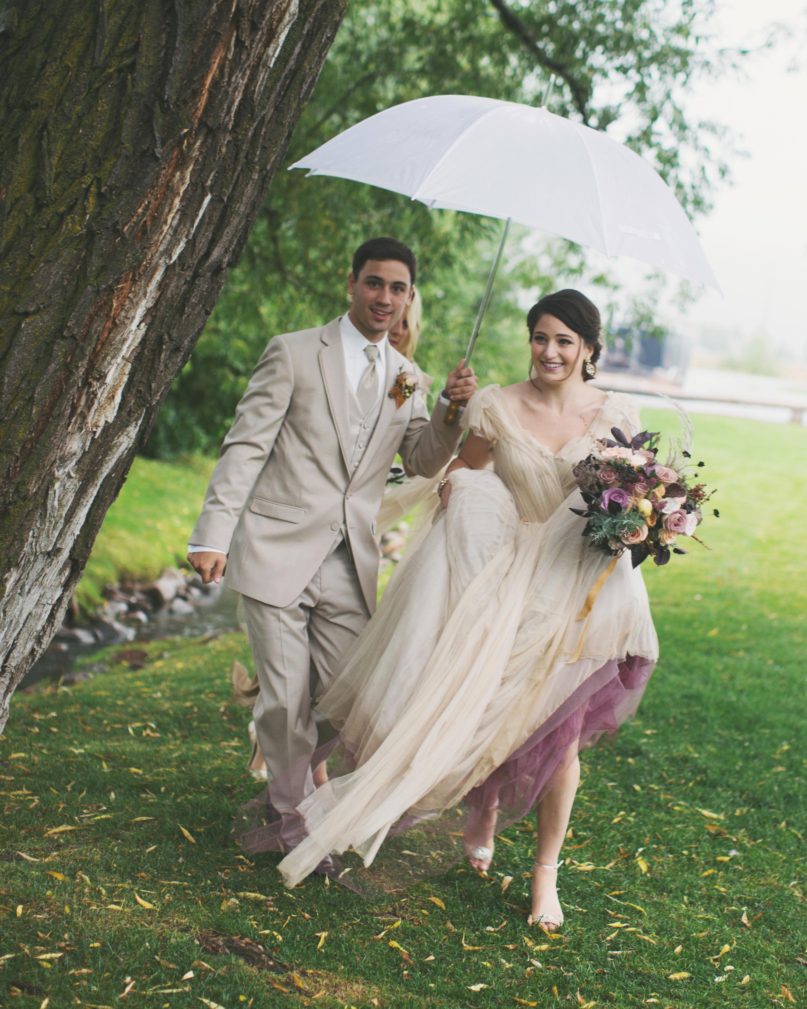 sara-matt-wedding-rain-2249-s111990-0715.jpg