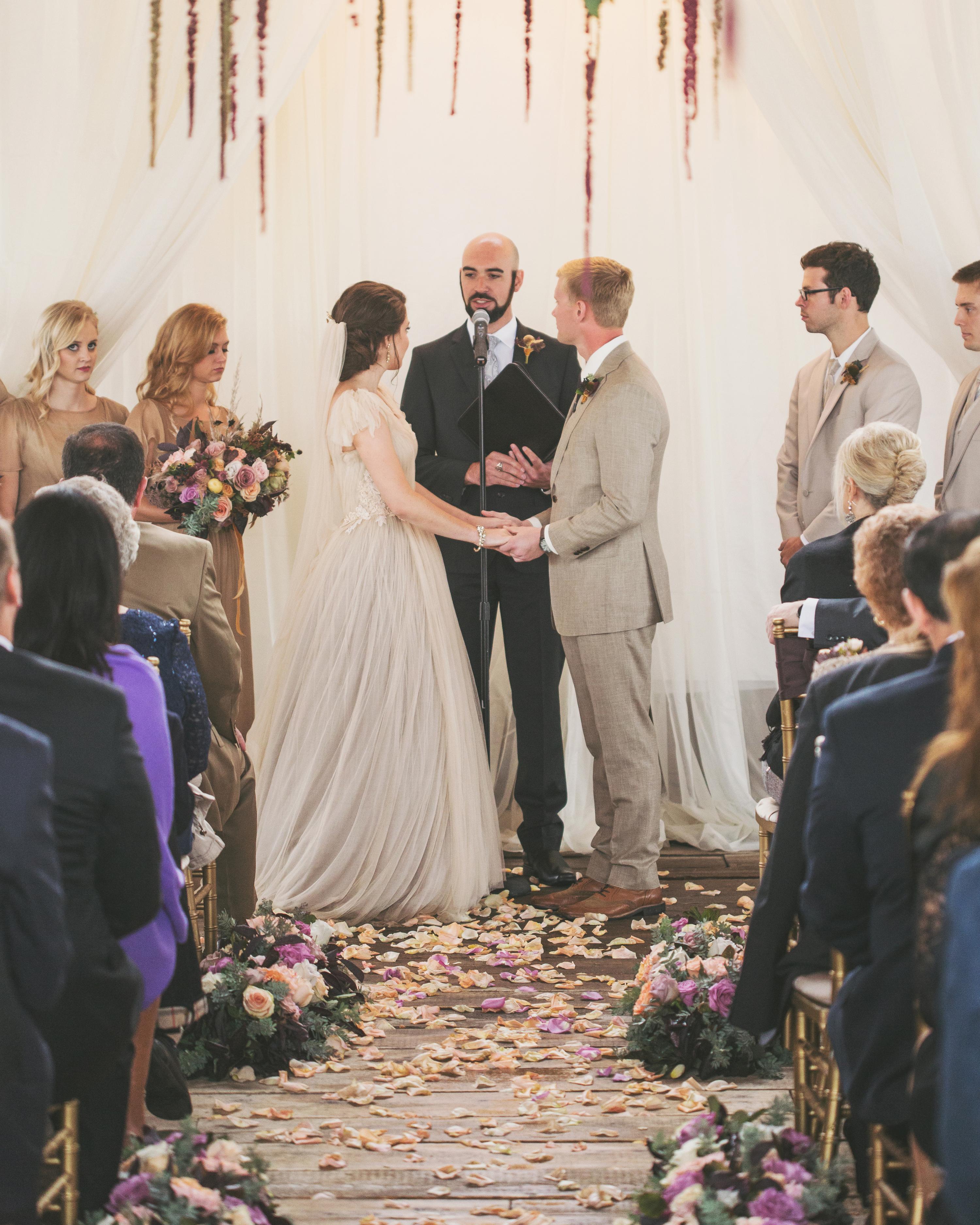 sara-matt-wedding-ceremony-2121-s111990-0715.jpg
